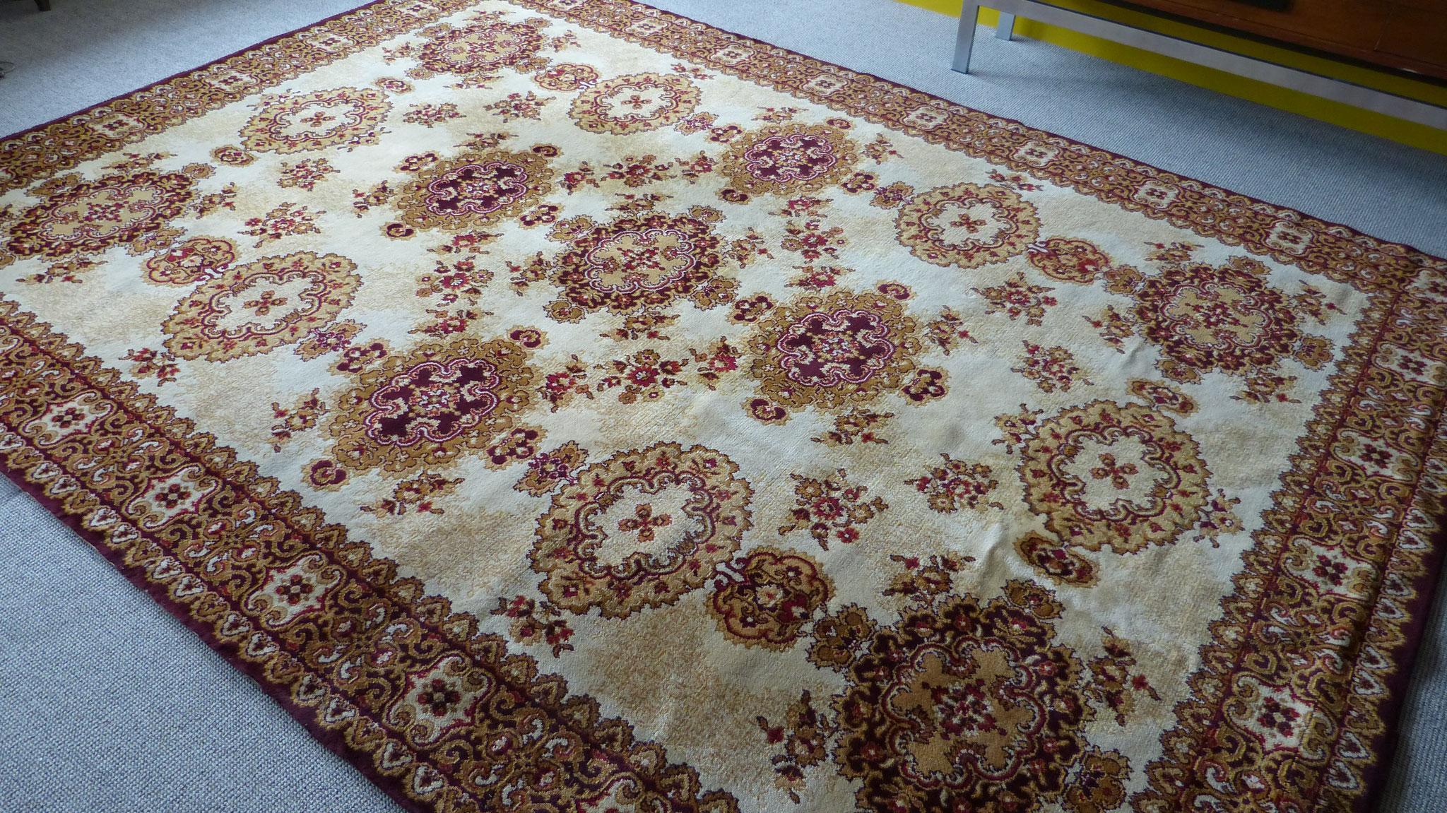 Oosters tapijt 3.40 x 2.50 m.