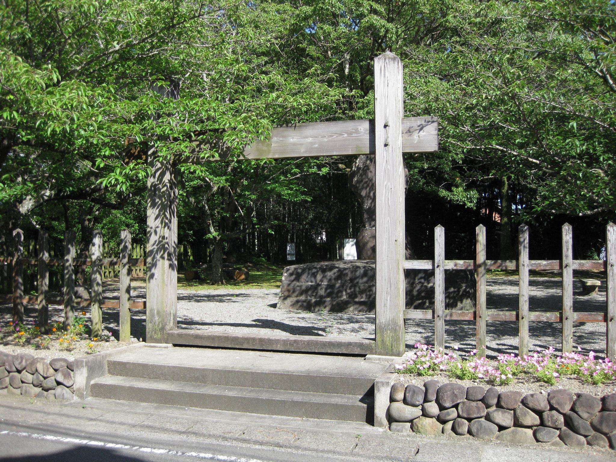 近くには西郷どんや篤姫が通った野間之関所がありますが