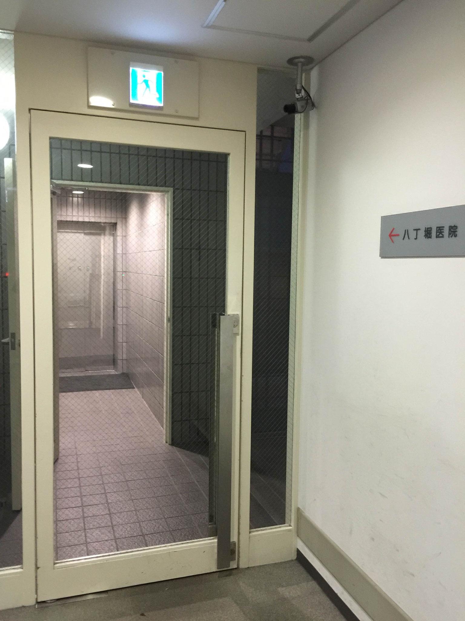9F直通エレベーター入口