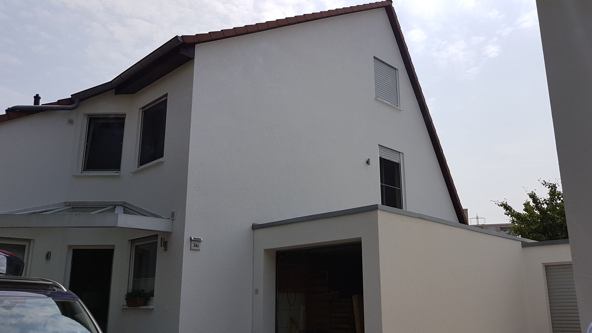 Fassade - Nachher: Diese wurde mit Siliconfassadenfarbe gestrichen