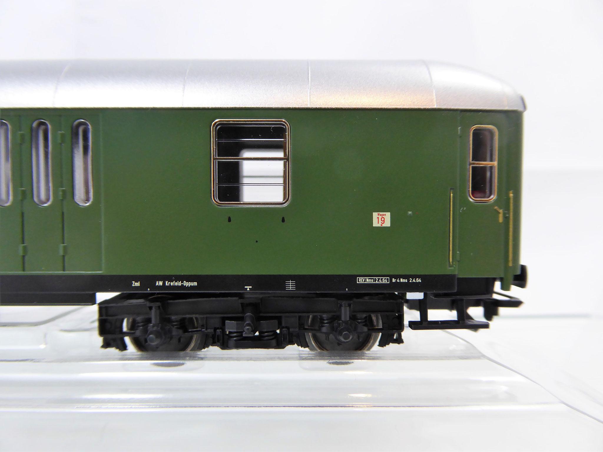 Märklin 43950 Halbgepäckwagen BD4üm-61 der DB, 2. Klasse Epoche 3
