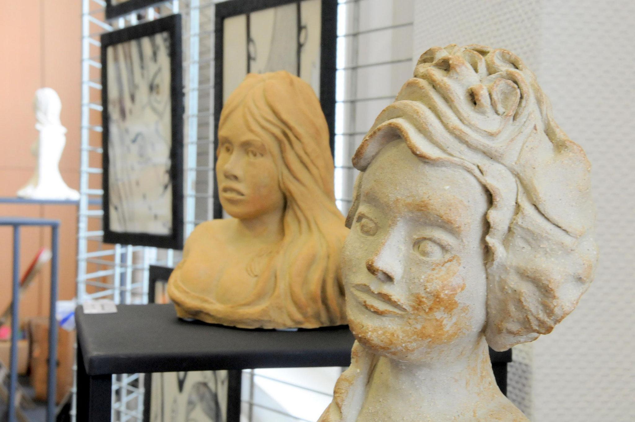 Mes sculptures: B.B( à gauche) Marianne ( à droite)