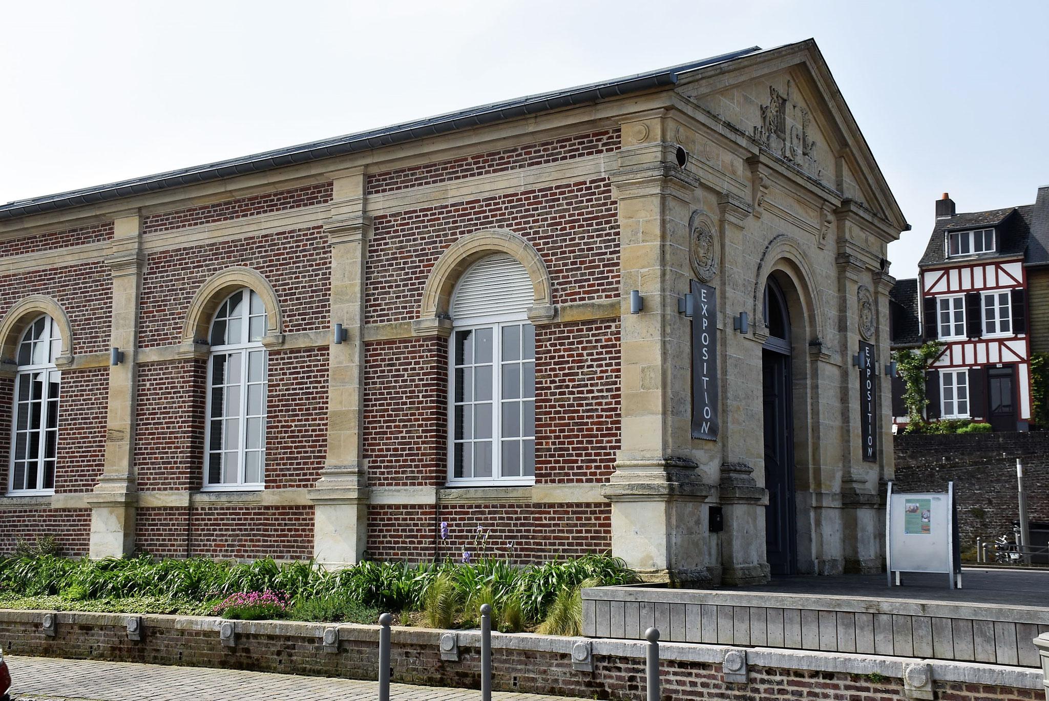 Vue de l'ancien tribunal de commerce de Saint-Valery
