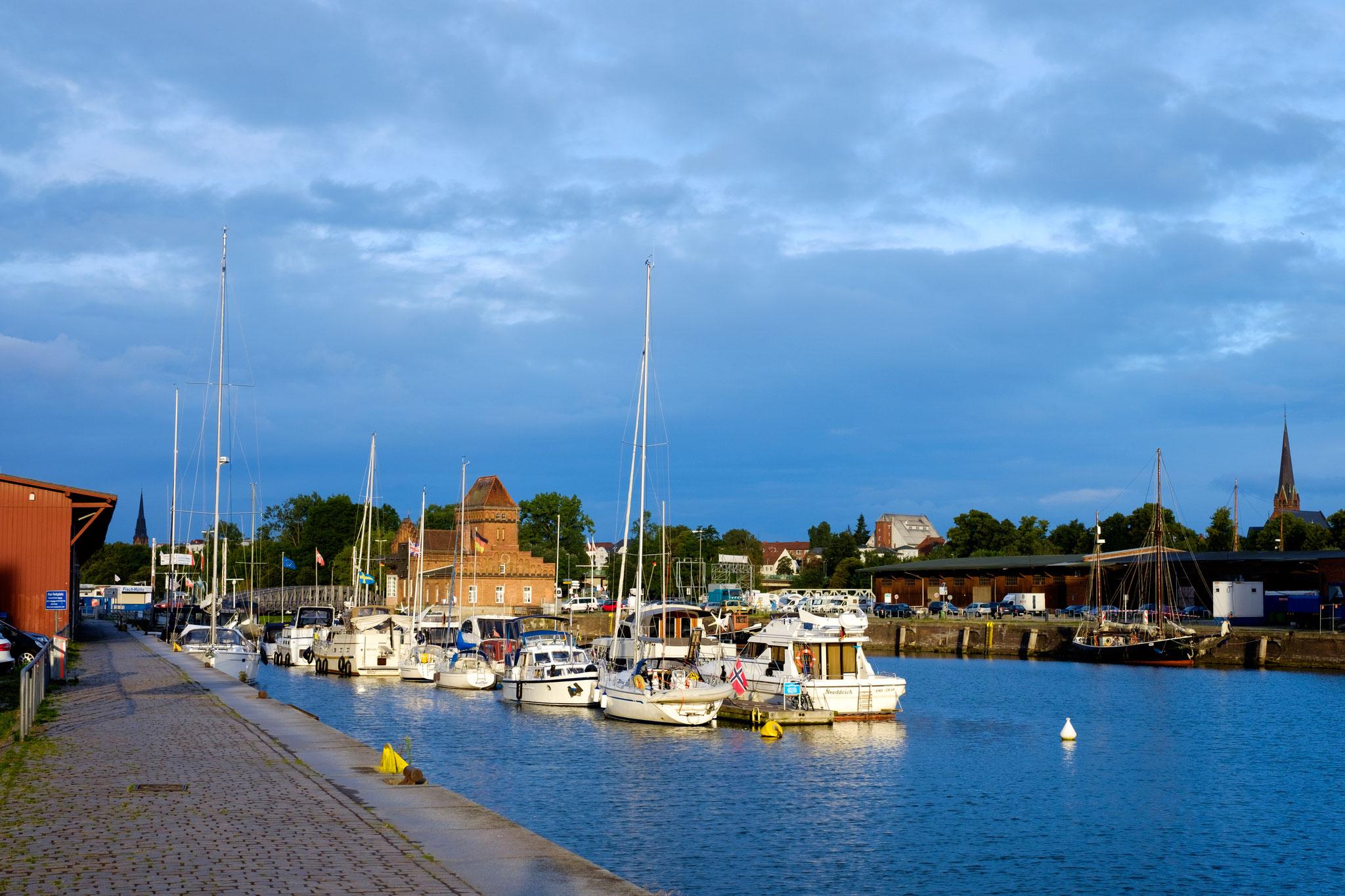 Am Hafen IV