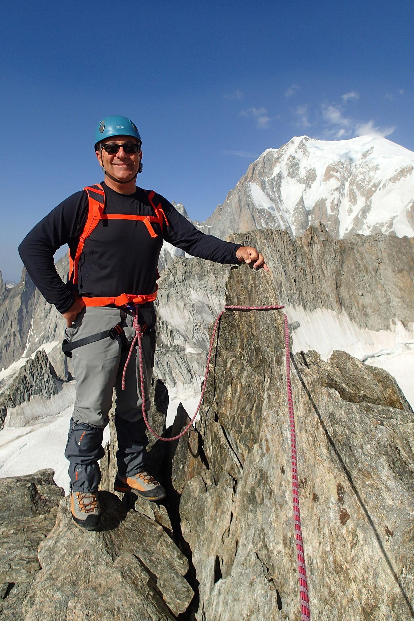 c'est parti sur l'arête, juste devant le Mt-Blanc