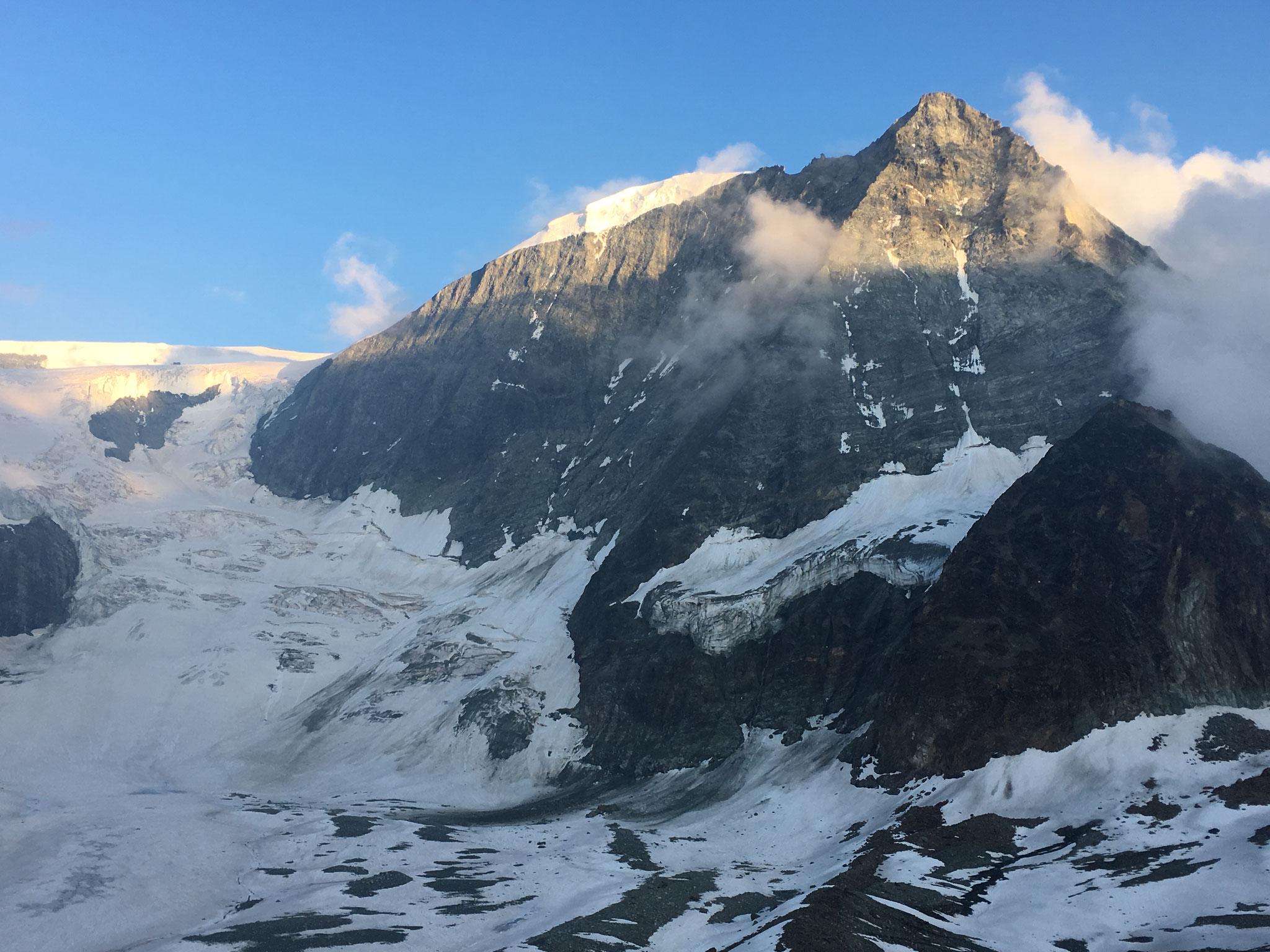 Après Chanrion, la Cabane des Dix et son Mt-Blanc de Cheilon