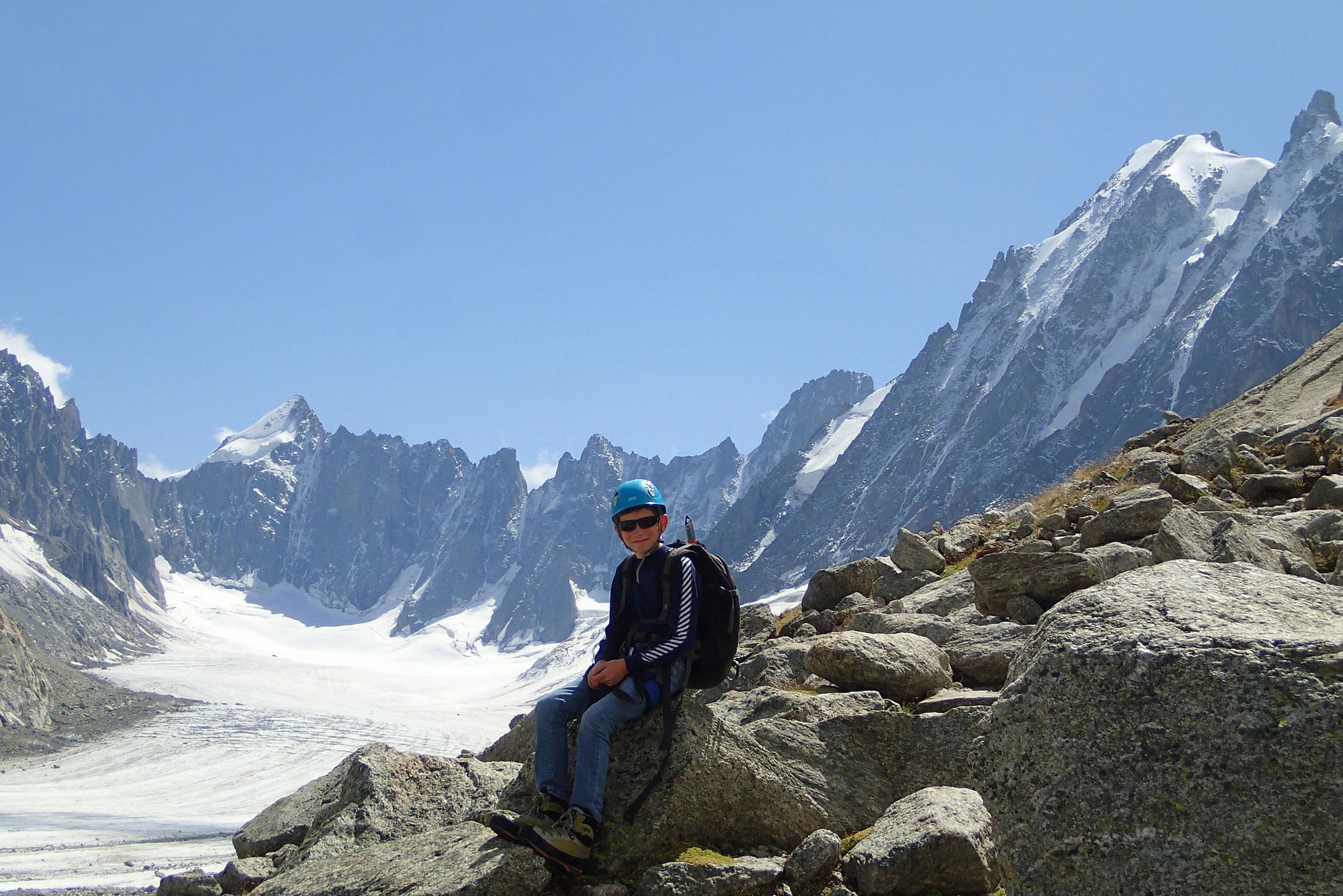Arnaud pose devant le Glacier d'Argentière