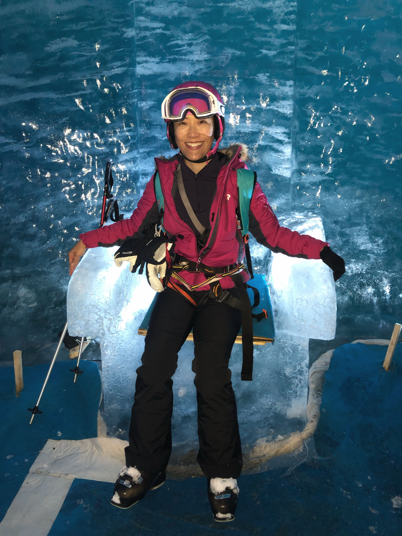Anna de passage dans la Grotte de Glace