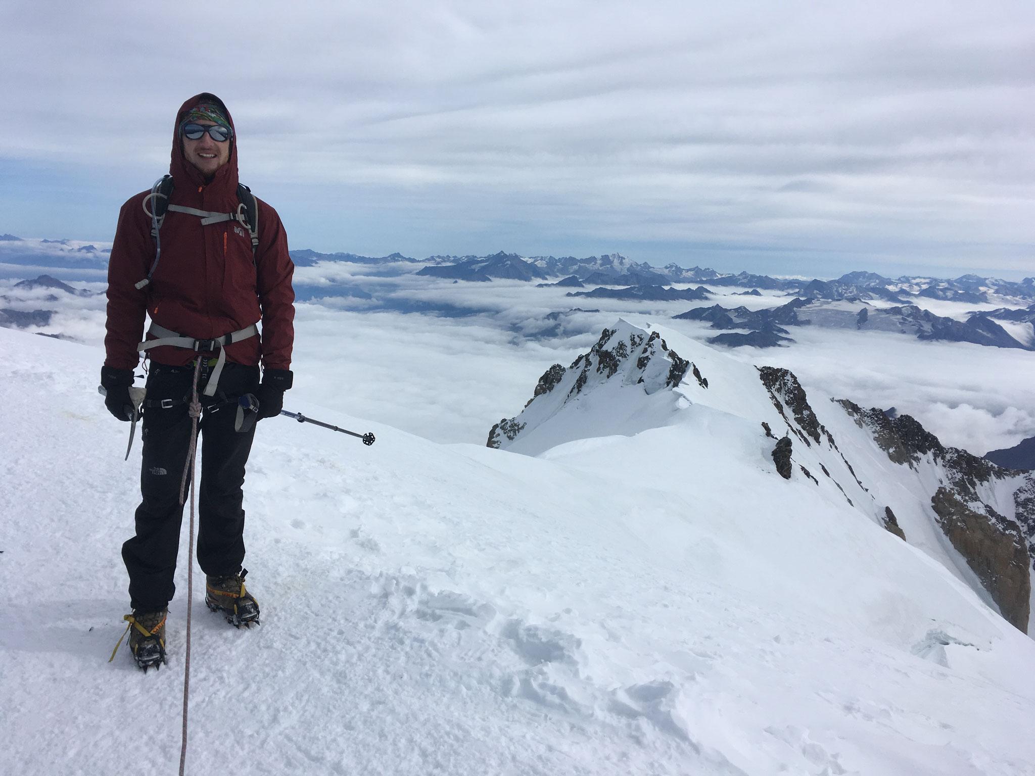 Mathieu au sommet et coté Mt-Blanc de Courmayeur