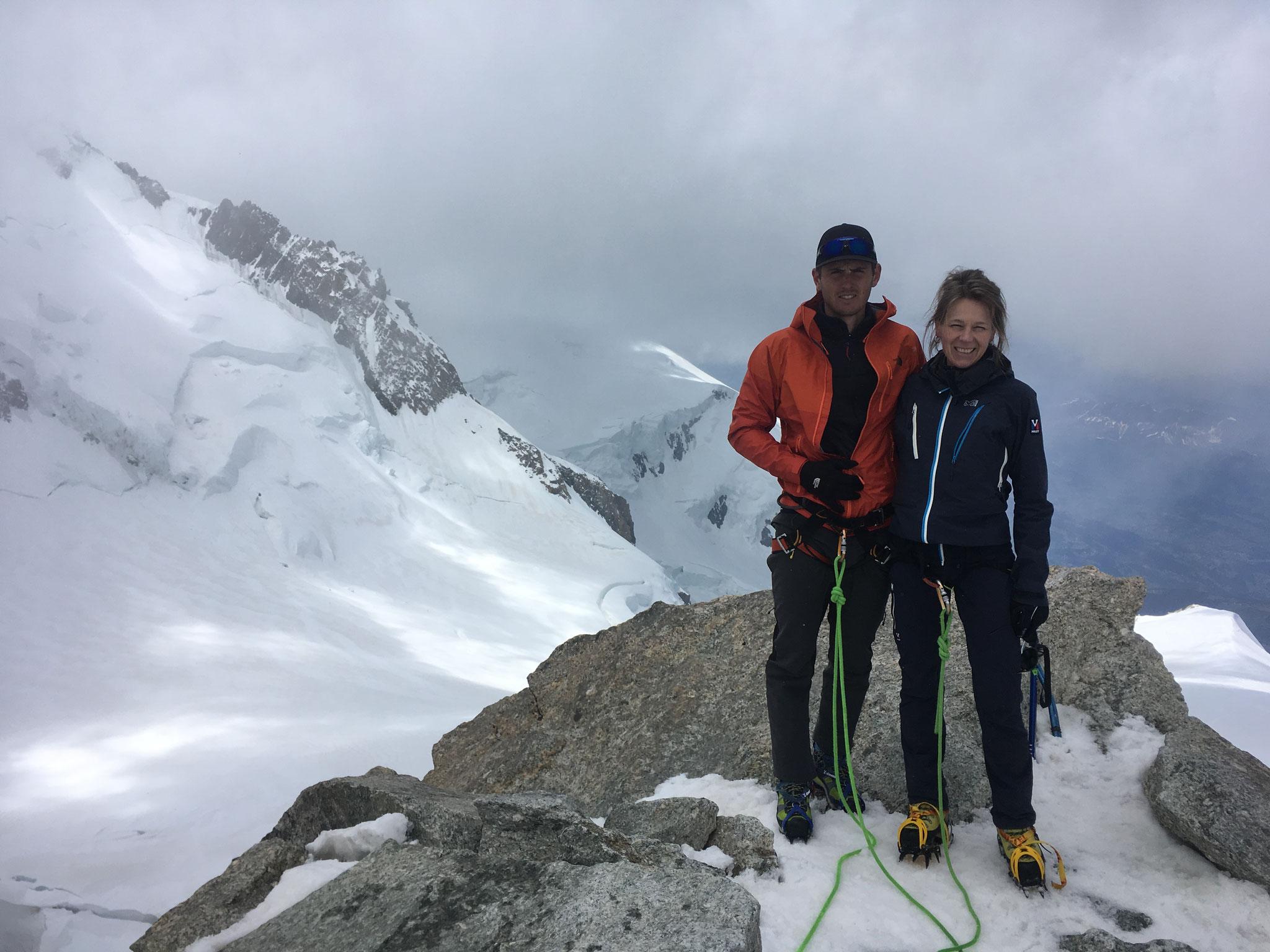 Sophie et Maxence au sommet du Tacul