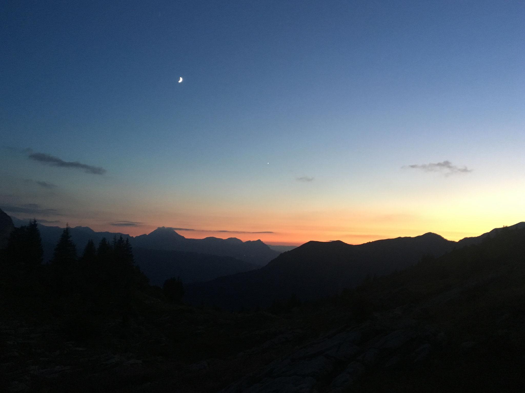 Soirée et coucher de soleil au Refuge de Bostan