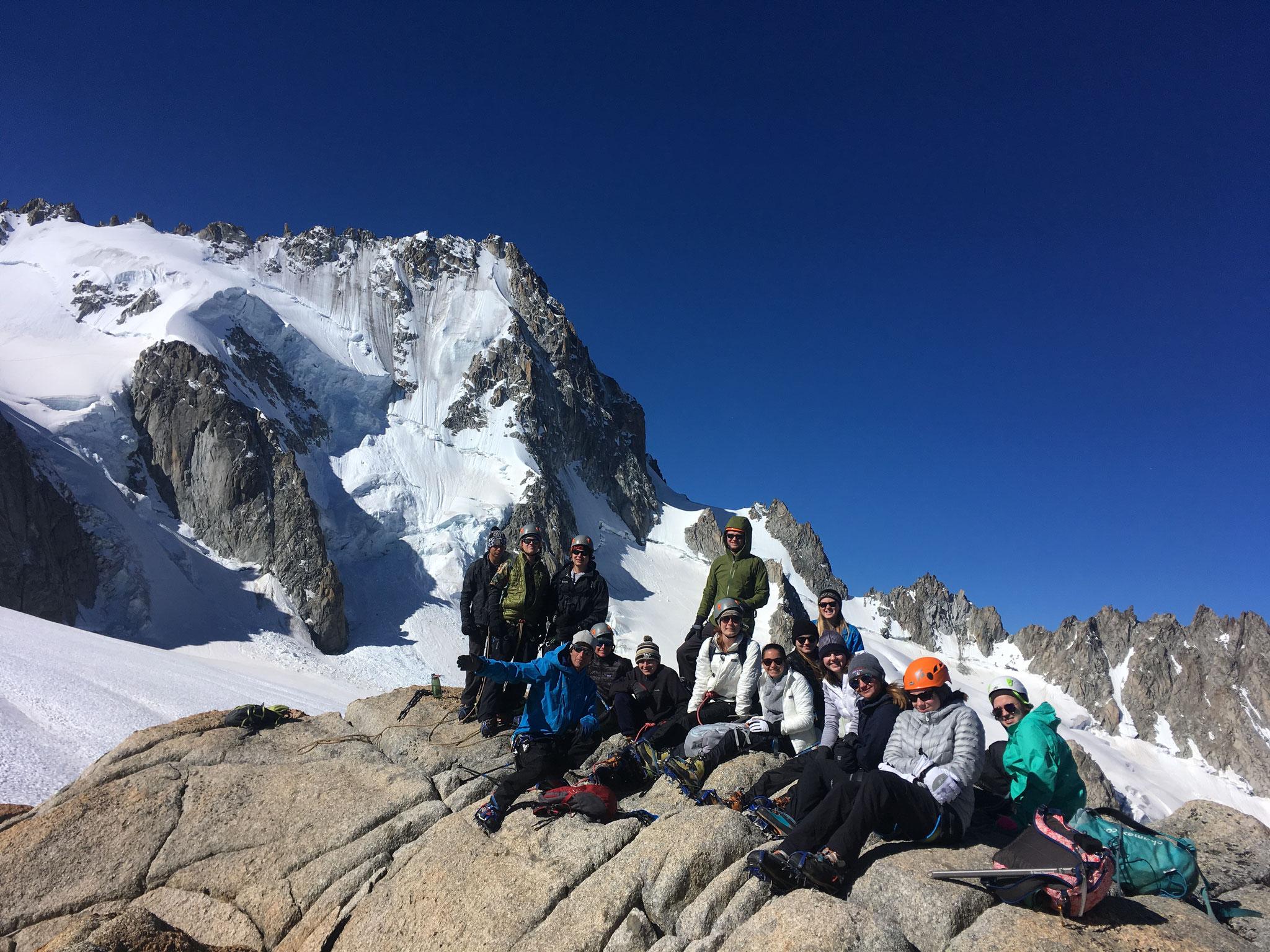 Le team Overland sur ce beau sommet 3238 m