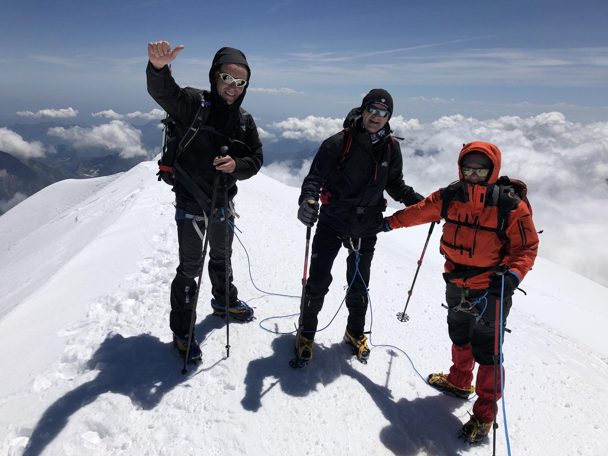 Une autre photo du sommet avec François, Gérard et Hervé