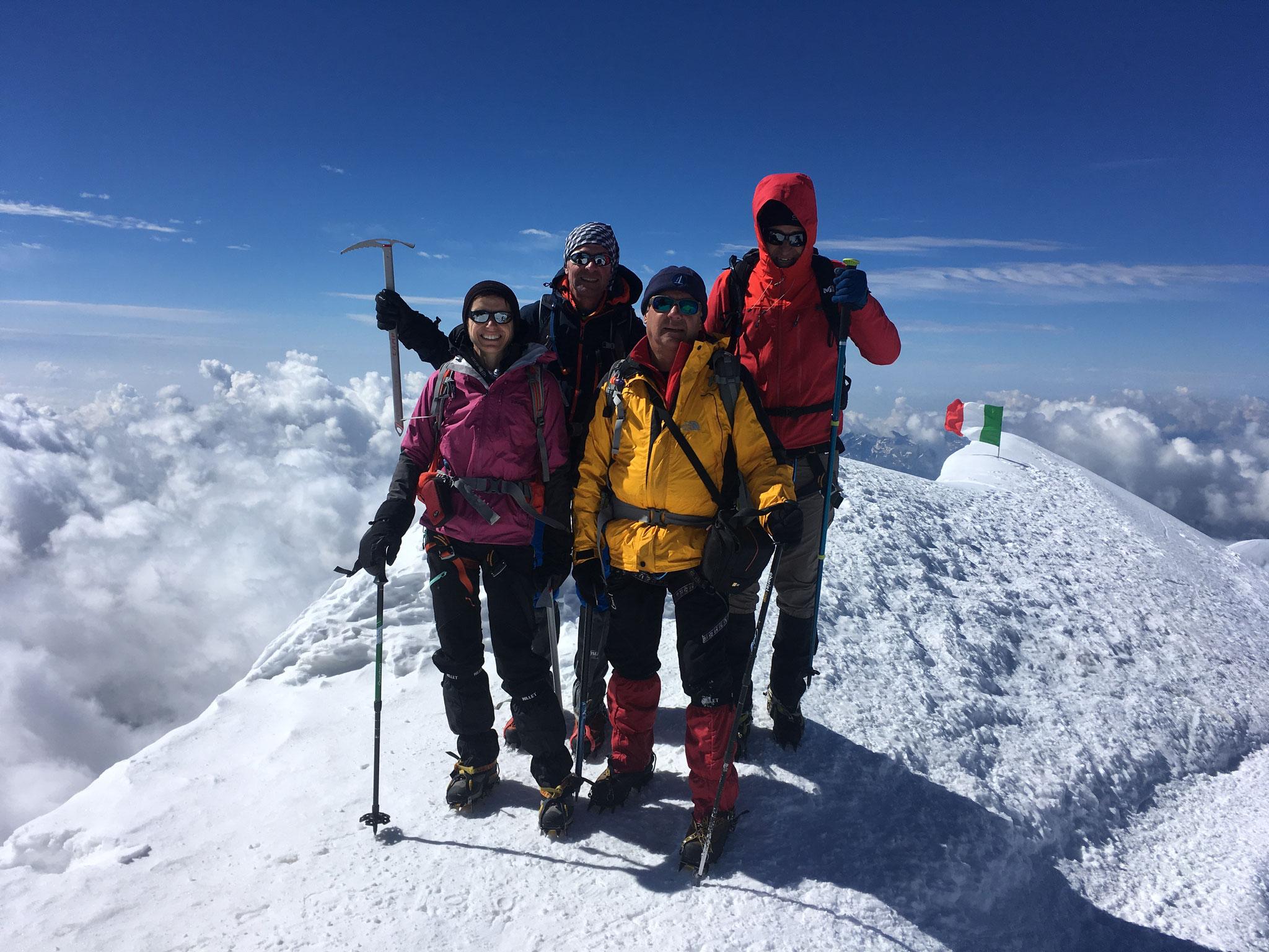 Magnifique! Véronique, Marc, Patrick et Philippe à 4554m