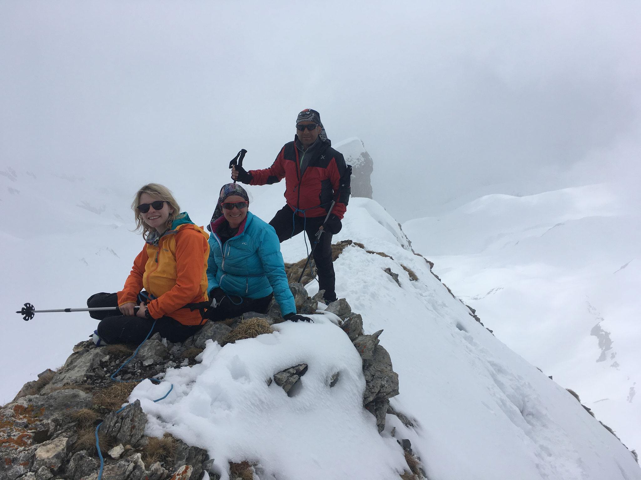 Au sommet de la Pointe 2467 m. Bravo !
