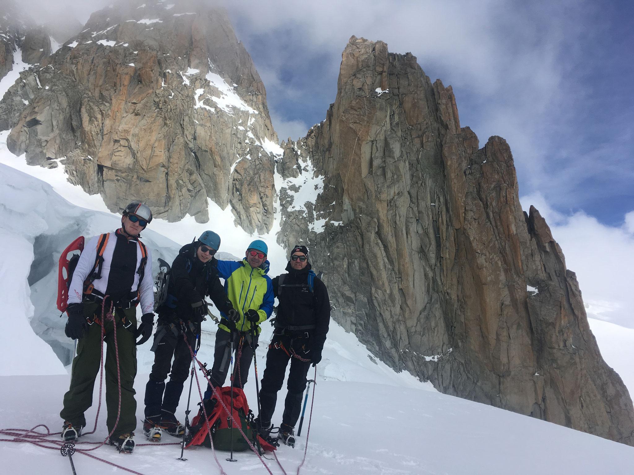 Fabrice, Thomas, Pascal et Nicolas sur le Glacier du Géant