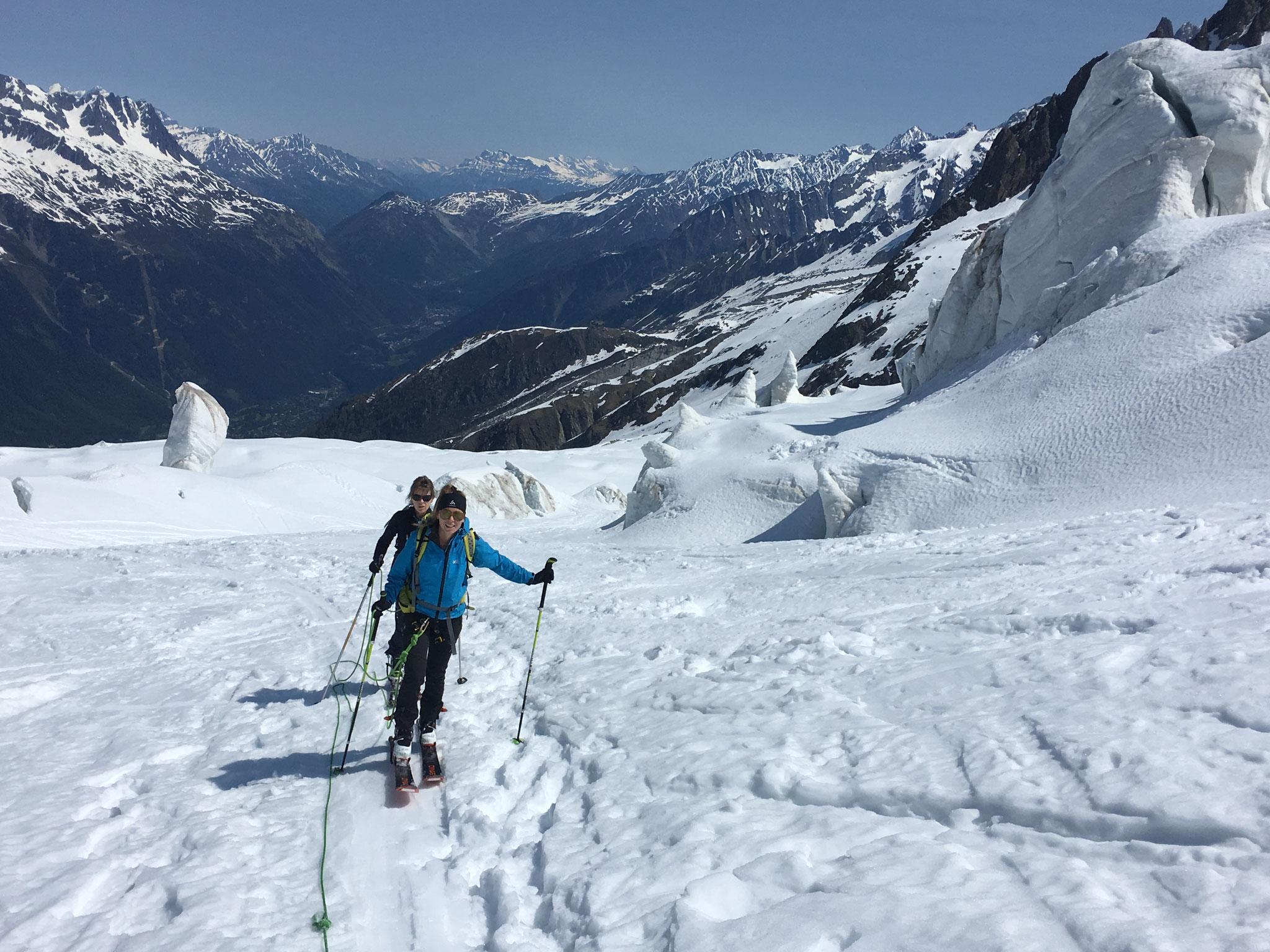 Carla et Sophie traversent Plan Glacier