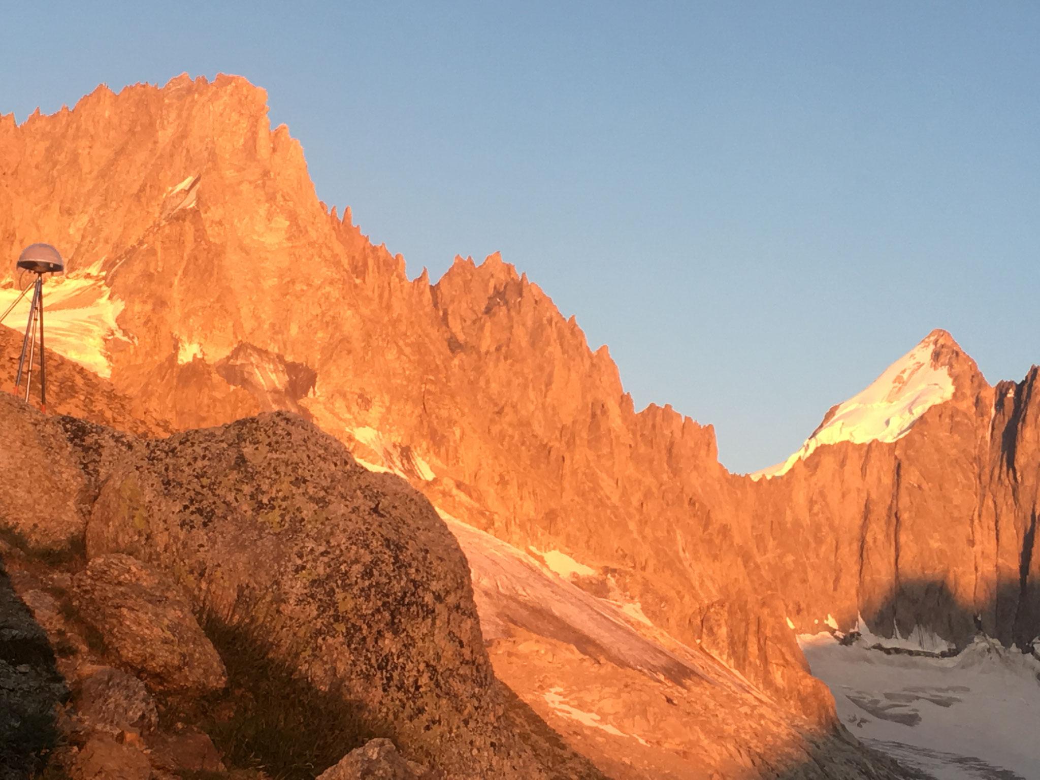 Coucher de soleil du refuge coté Mont Dolent