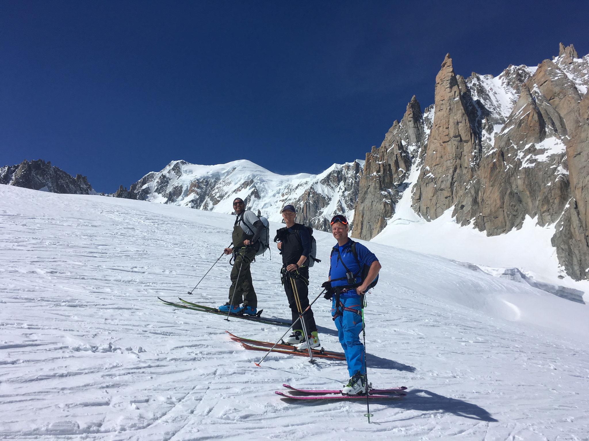Pause sous le Mt-Blanc et le Grand Capucin