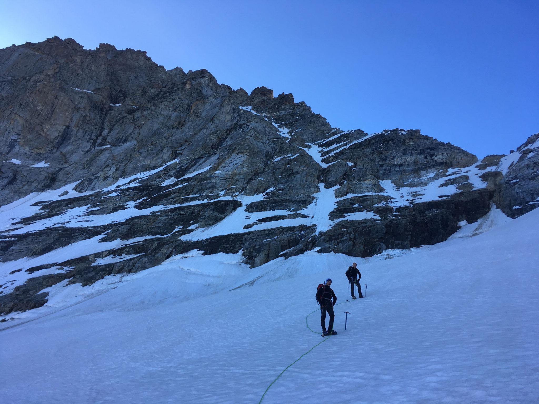 Belle ambiance sur le Glacier du Grand Neyron