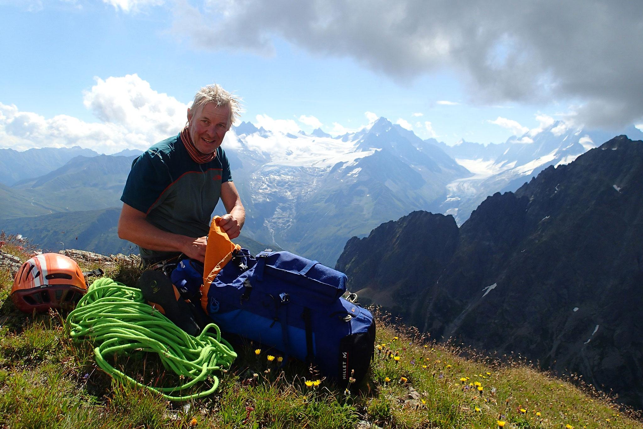 Au bout d'un long voyage, Dominique au sommet du Mt Oreb