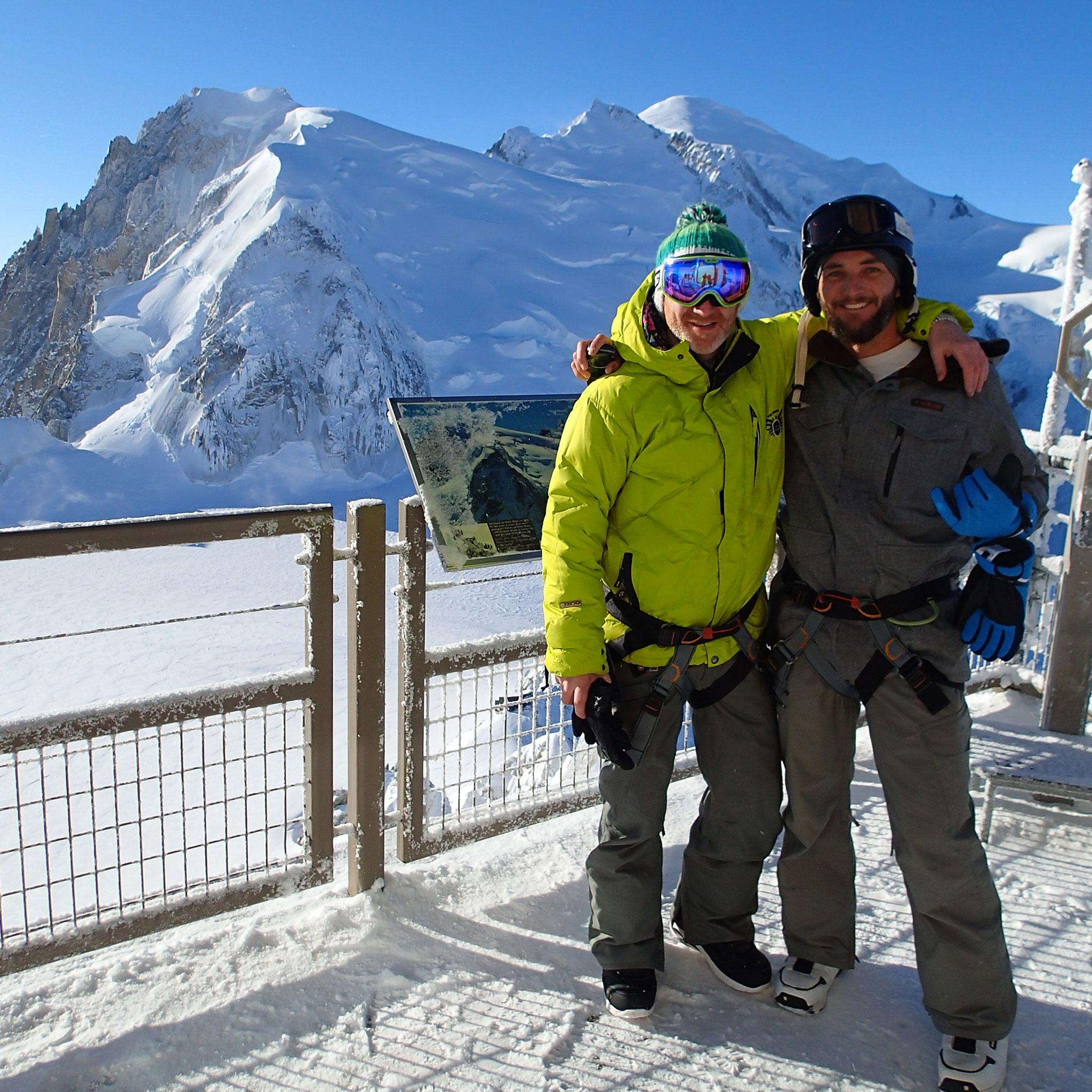 Dave et Sam devant le Mont-Blanc