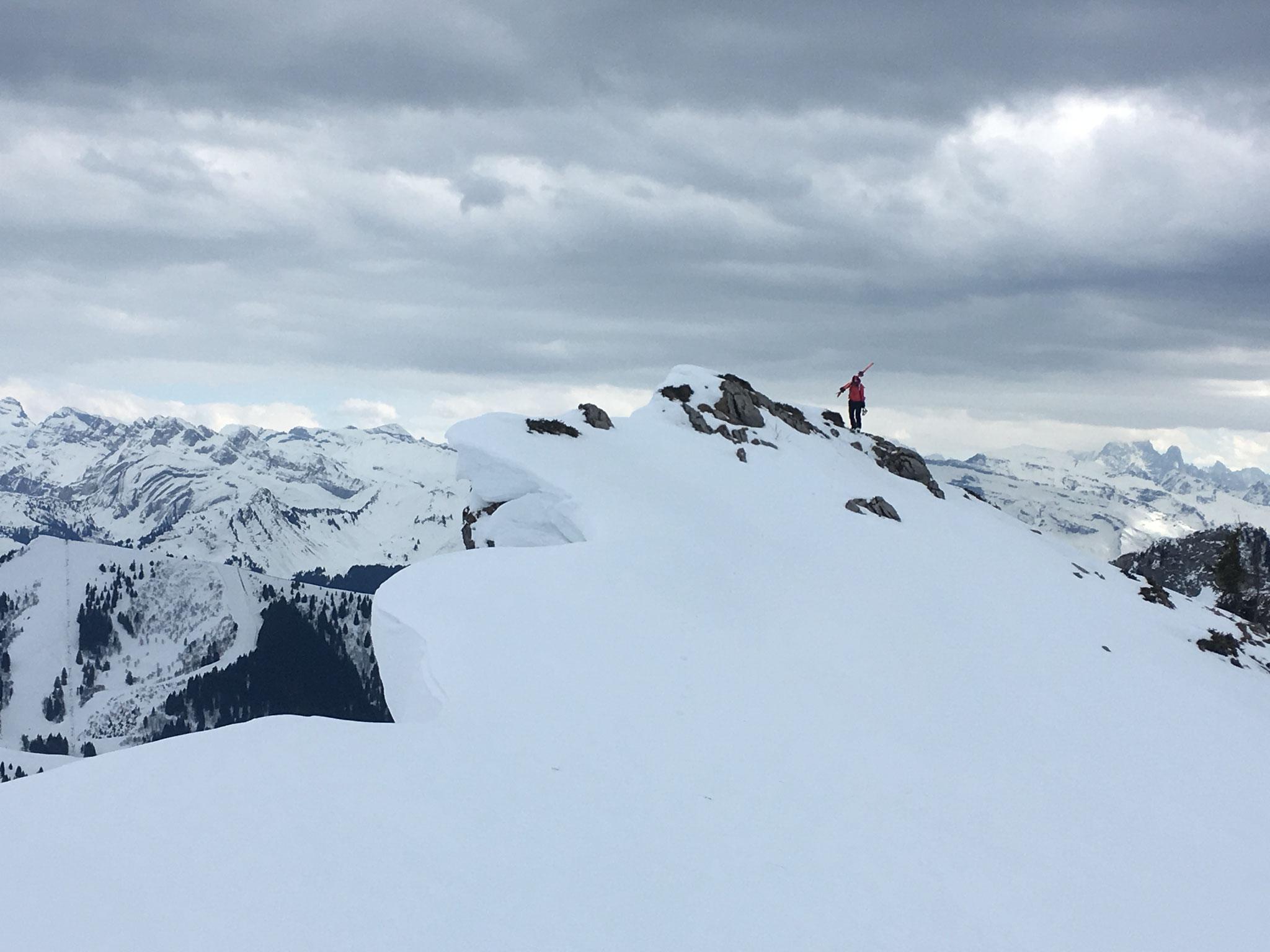 Notre petit sommet du jour près du Col. Magnifique !