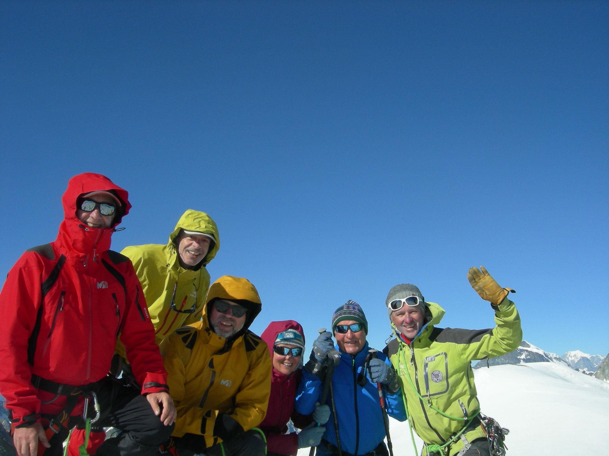 Super ! Avec Bernard, Yves, Alain, Sylvie et Marius au sommet du Pigne