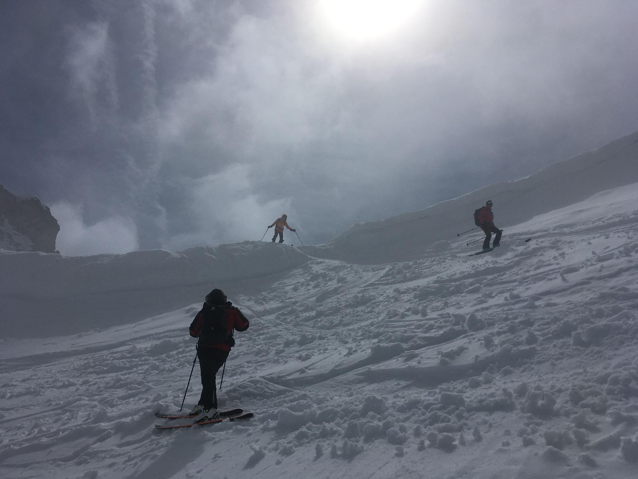 Départ à ski du Col. Belle lumière !