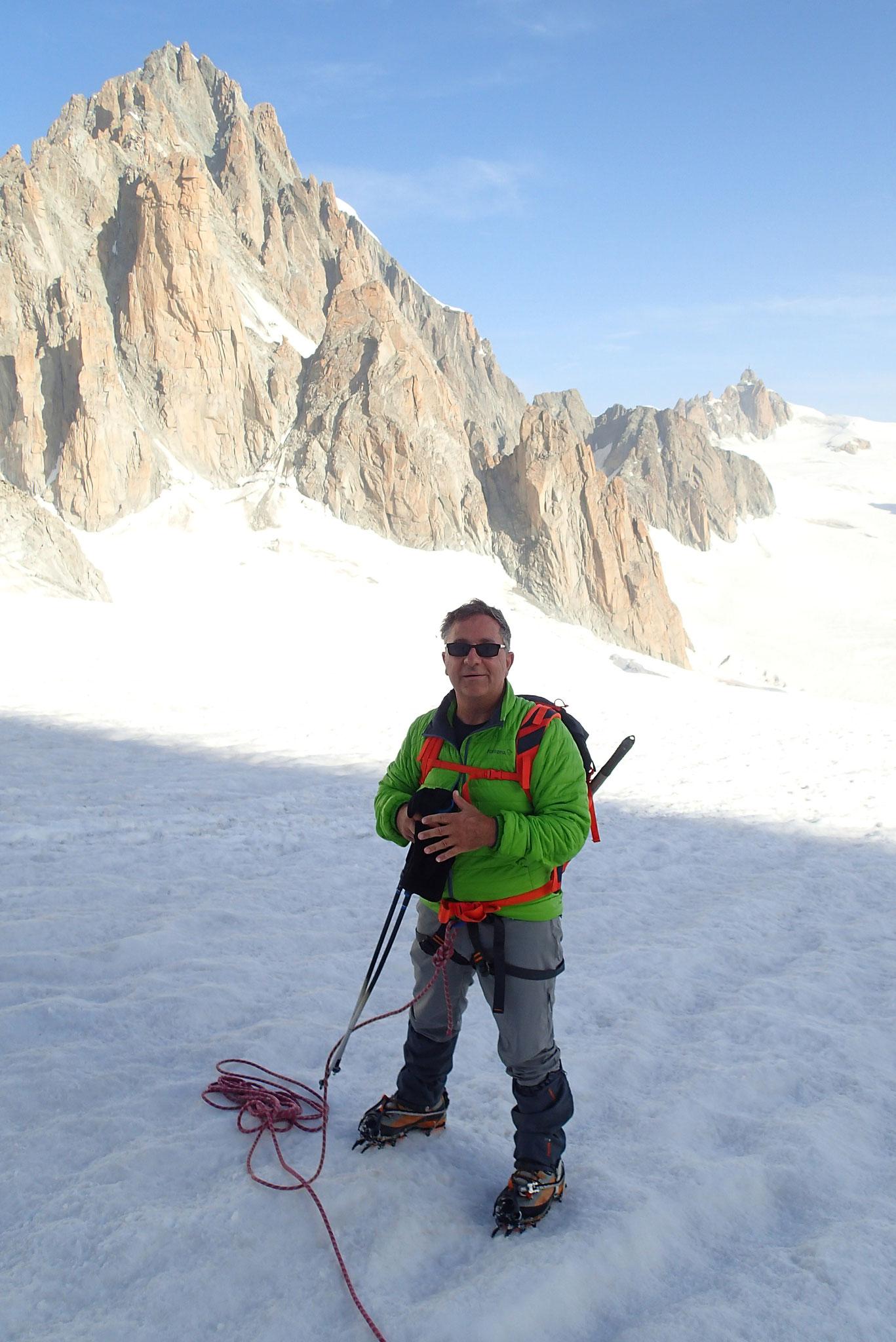 Michel au matin à l'approche sur le glacier