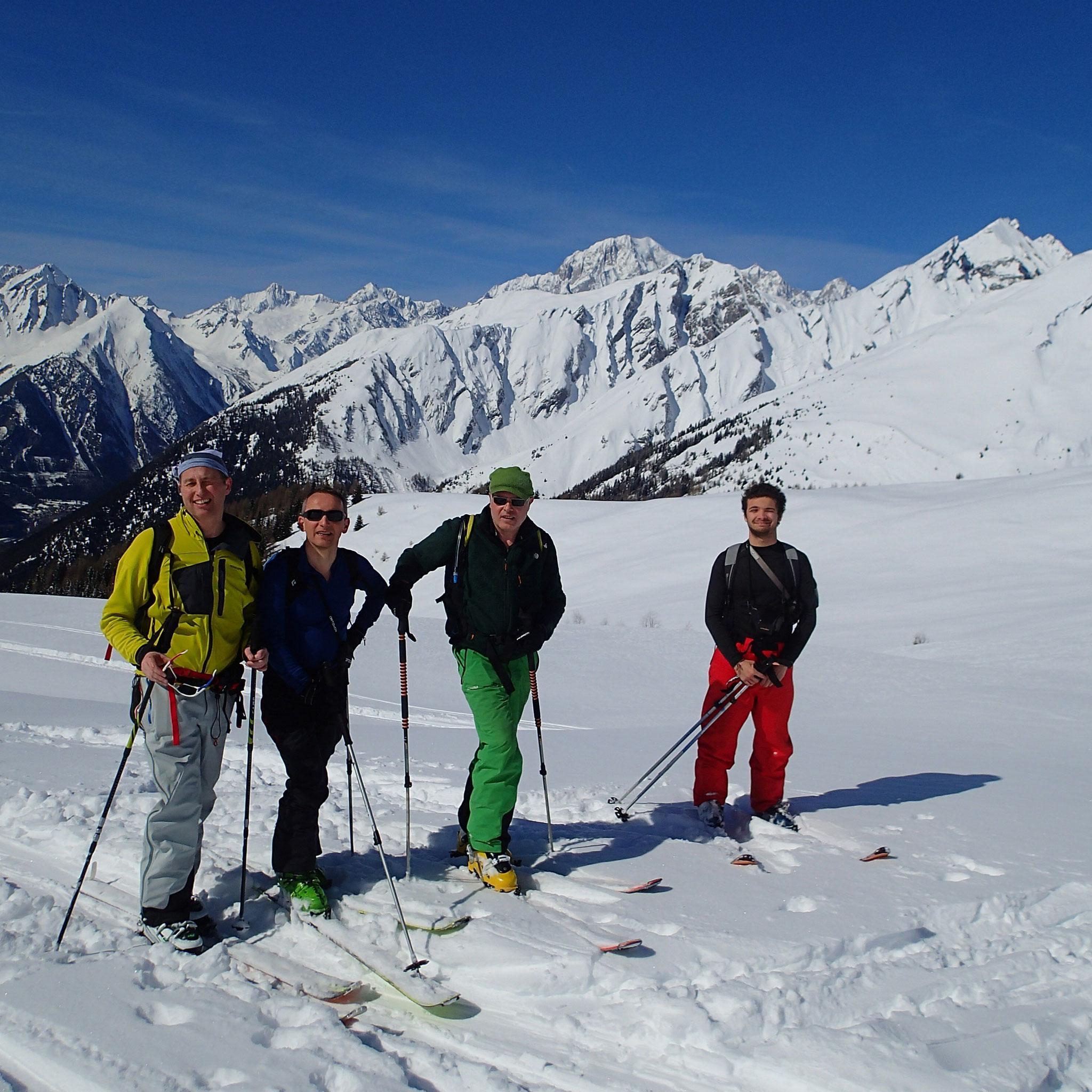 Jérôme, Jean, Xavier et Milan à l'alpage vers Les Ors