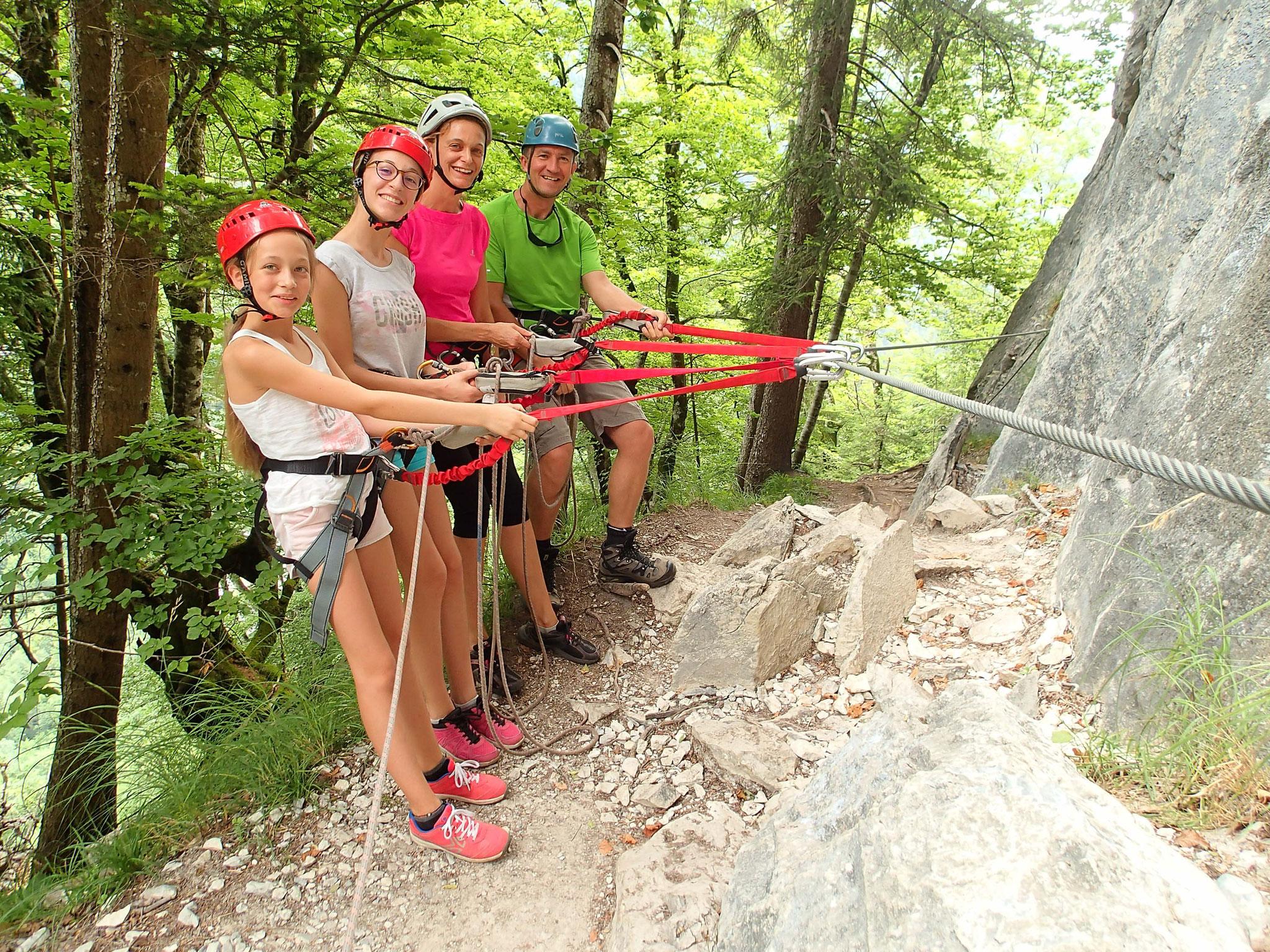 Chlotilde, Lison, Sandrine et Philippe testent leur matériel