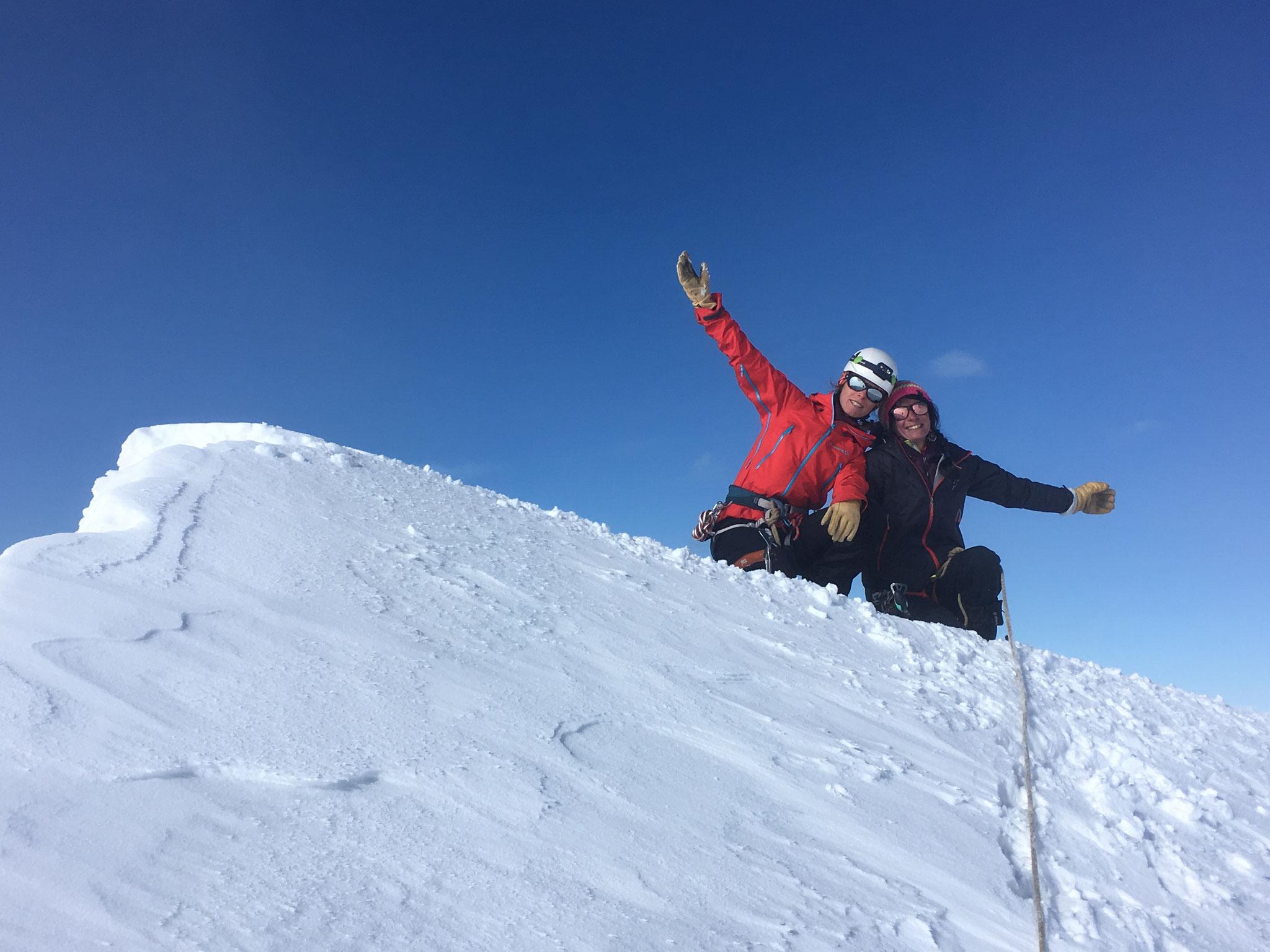 Marion et Cécilia au sommet de Ludwigshöhe