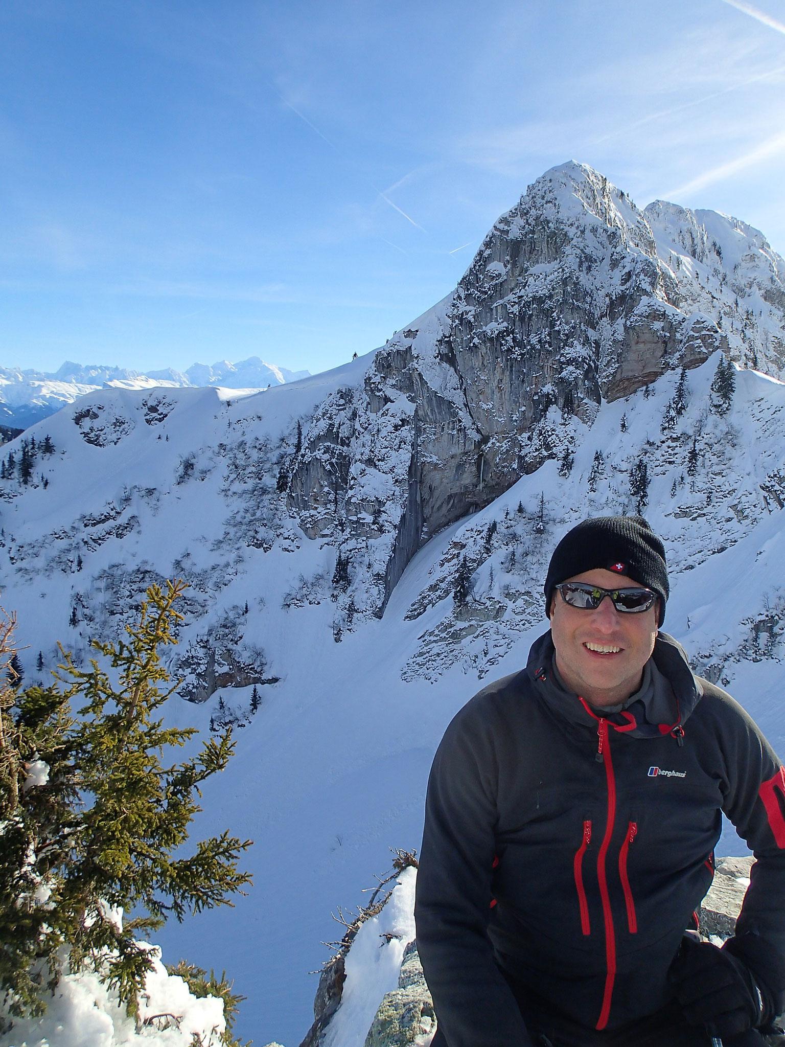 Richard au sommet de la Pointe avec vue Mt-Blanc