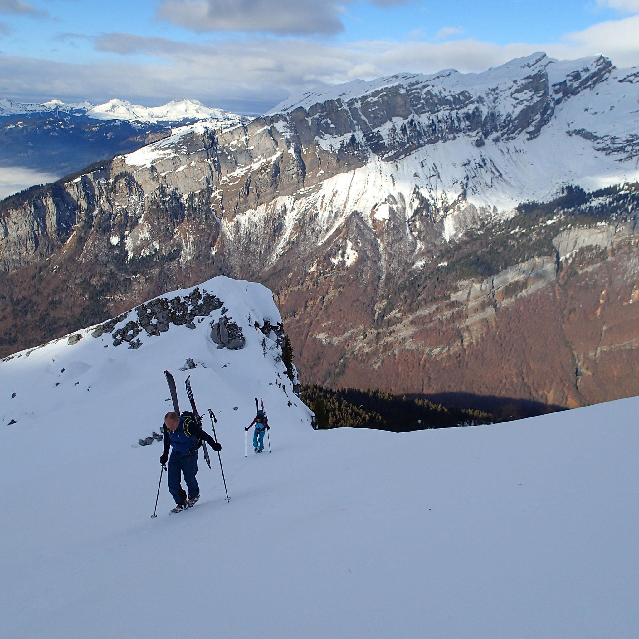Christer et Valérie dans les derniers mètres en crampons