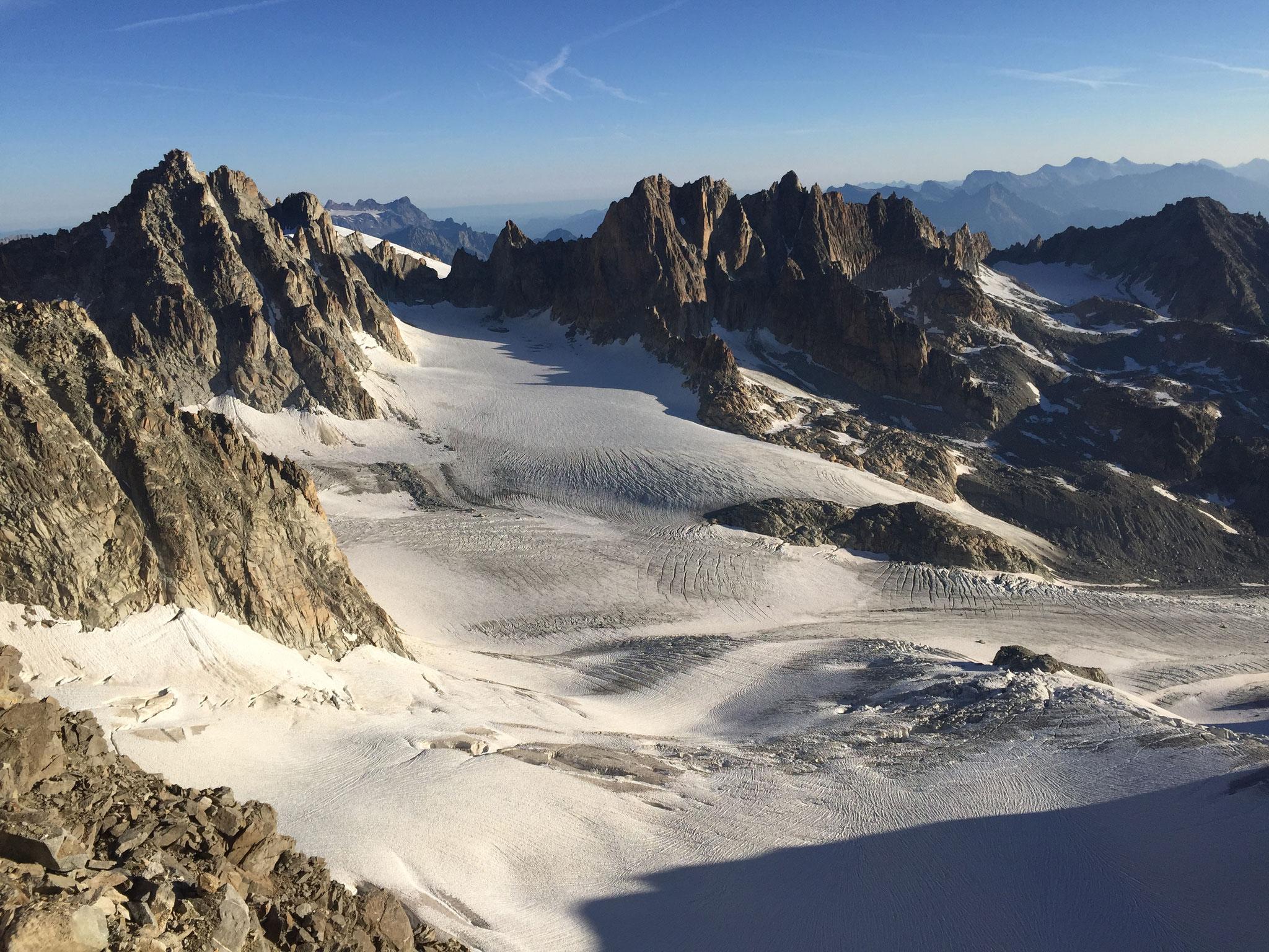 Regard sur le Glacier de Saleinaz et Les Dorées