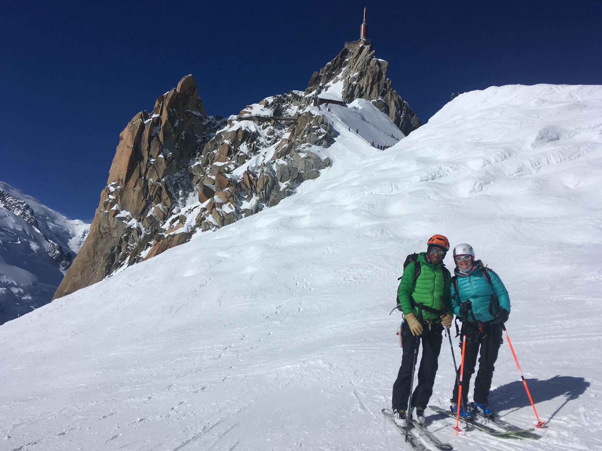 Manu et Lisa au top de l'Aiguille du Midi
