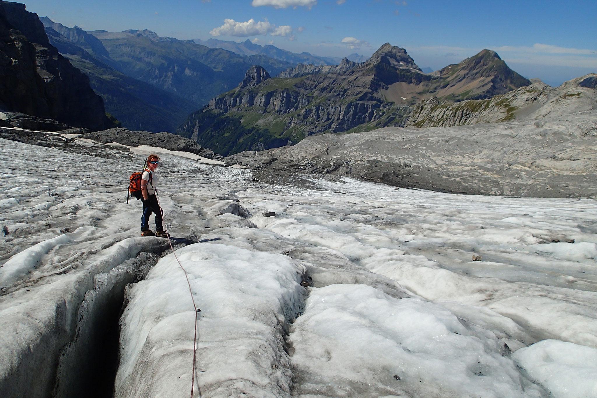 Crevasse sur le Glacier du Ruan