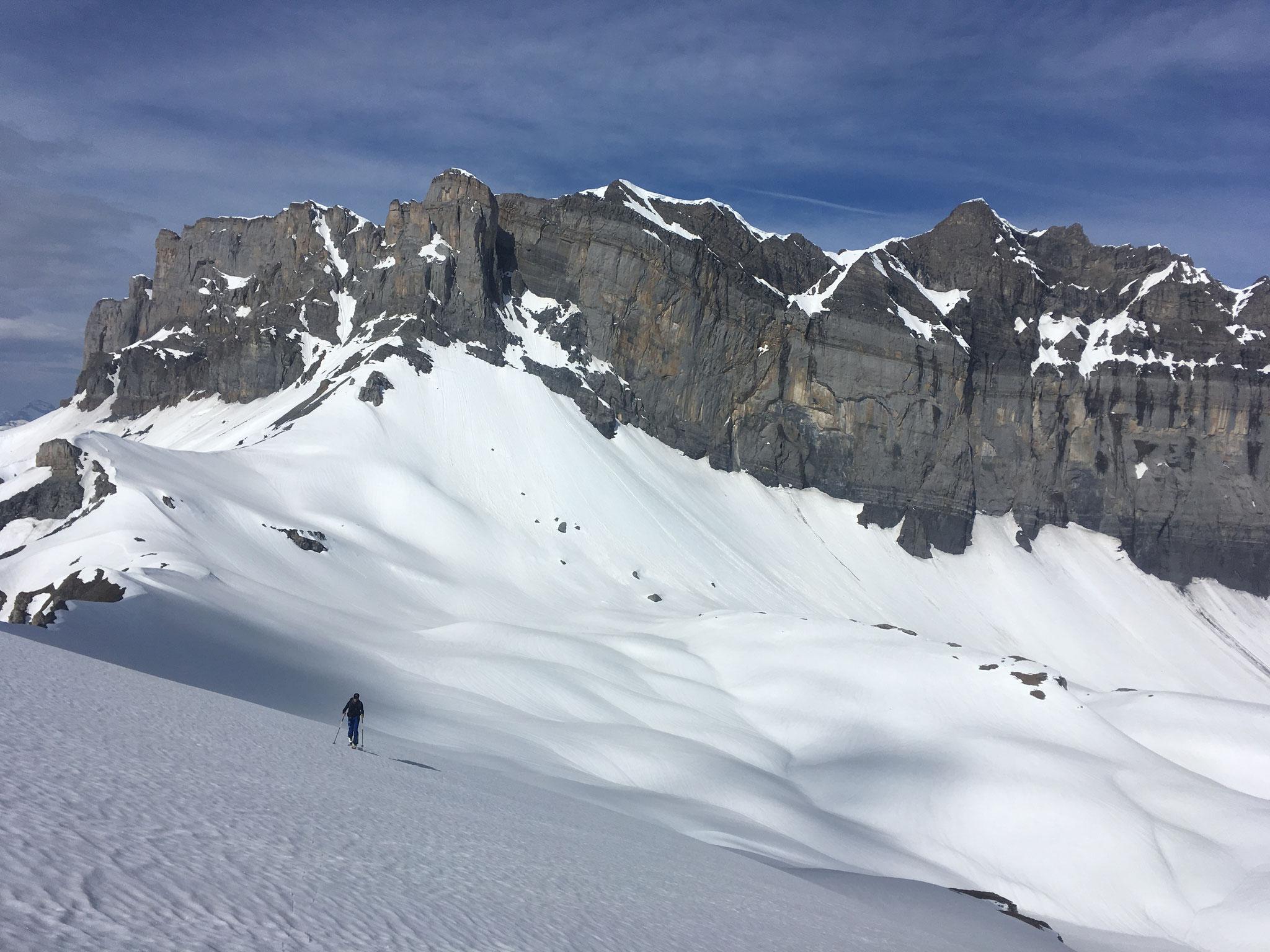 Remontée sur les Frêtes de Villy pour du beau ski