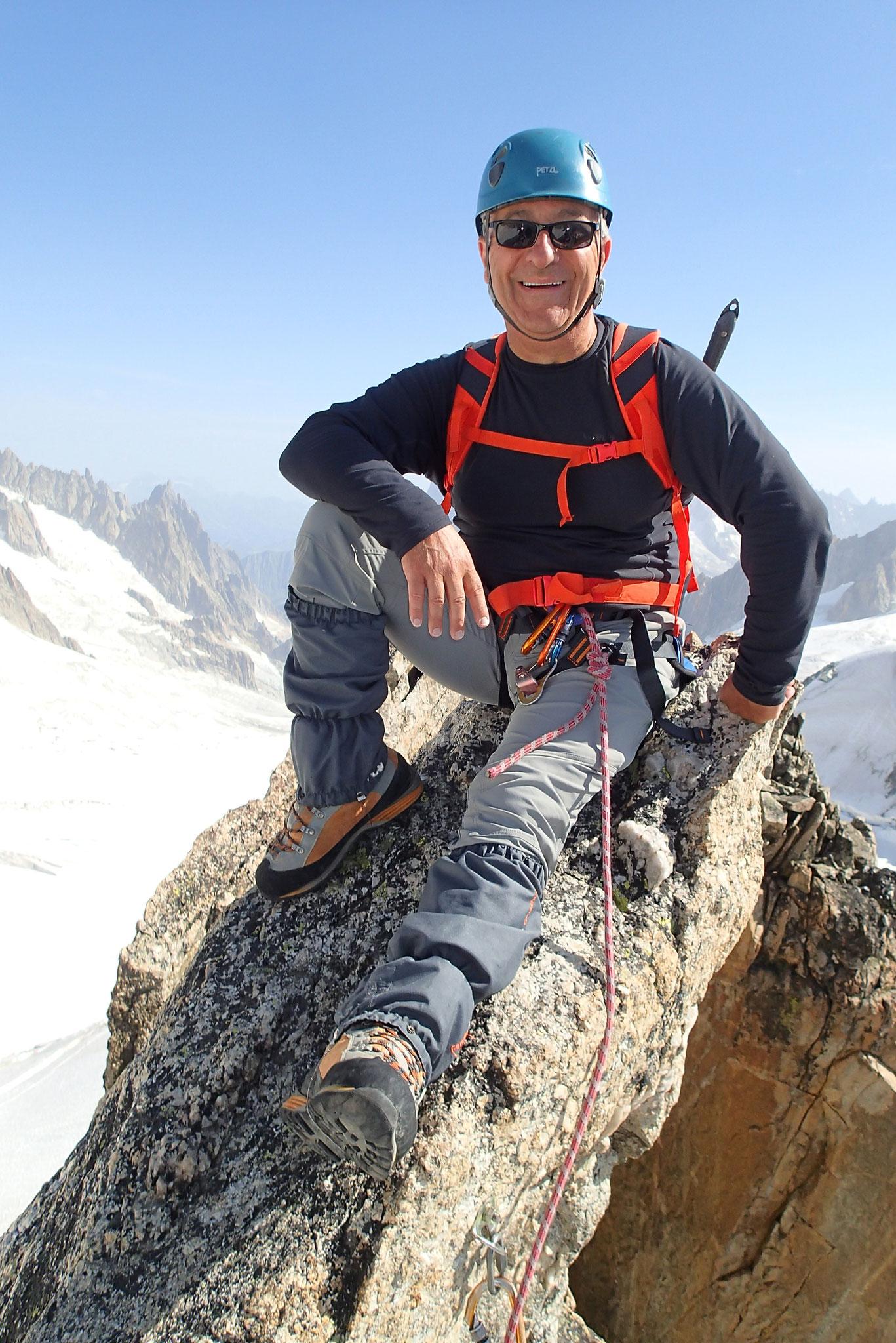 Michel au sommet de l'Aiguille d'Entrèves