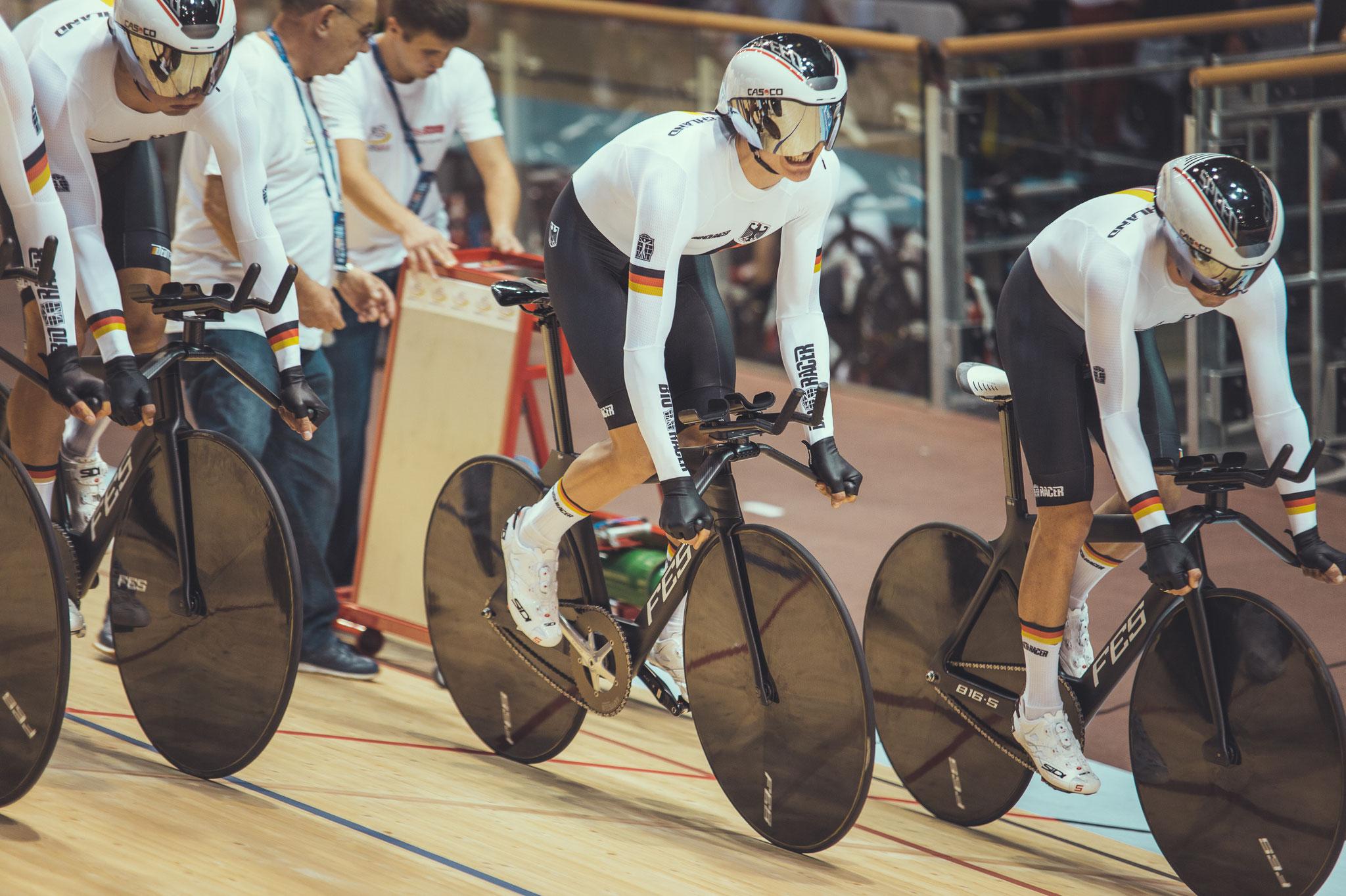 Radsport_Bahn-EM_Felix Groß beim Start des kleinen Finallaufs um Platz 3 an zweiter Startposition