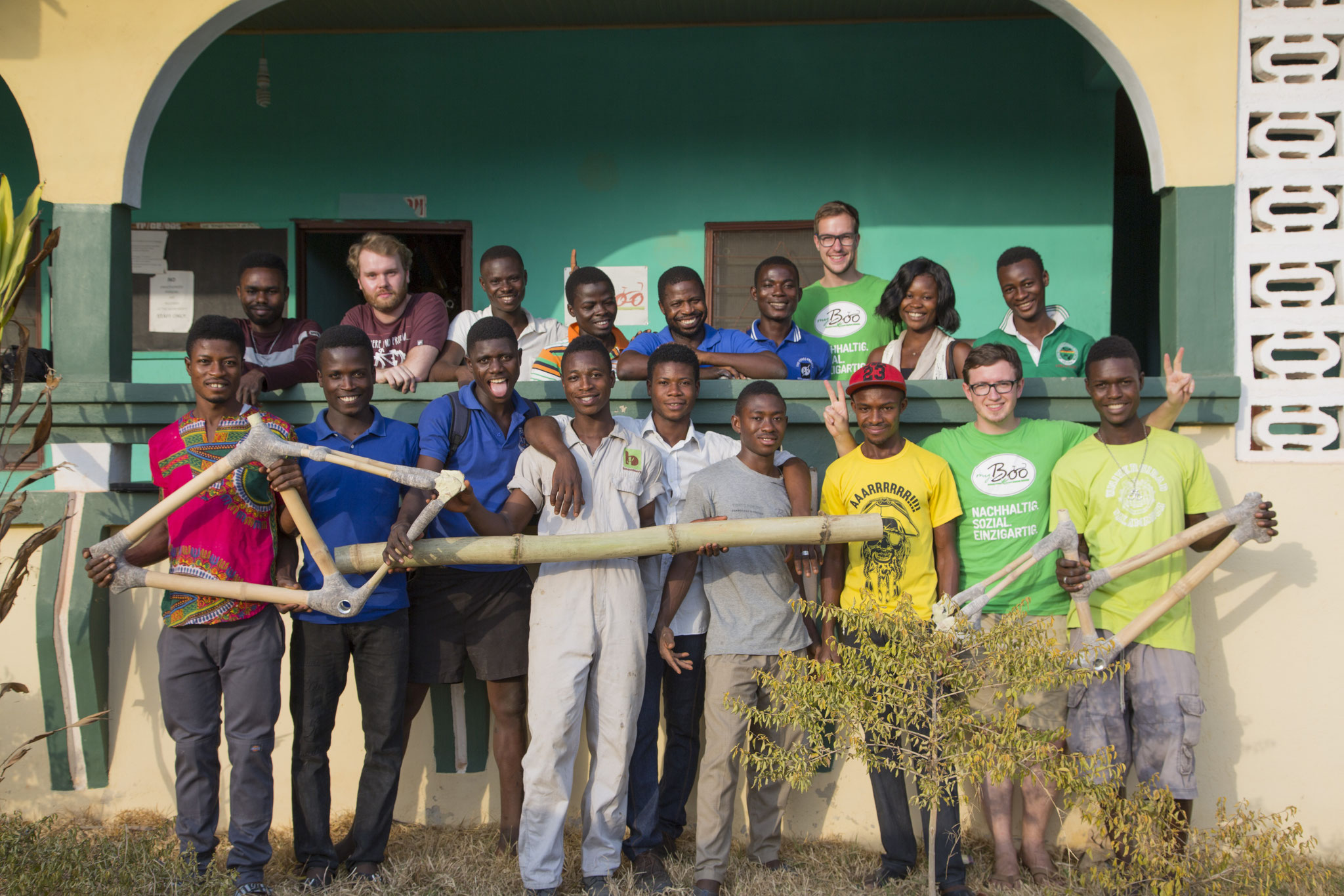 40 dauerhafte und fair bezahlte Arbeitsplätze in der my Boo Bambus-Rahmenmanufaktur in Ghana