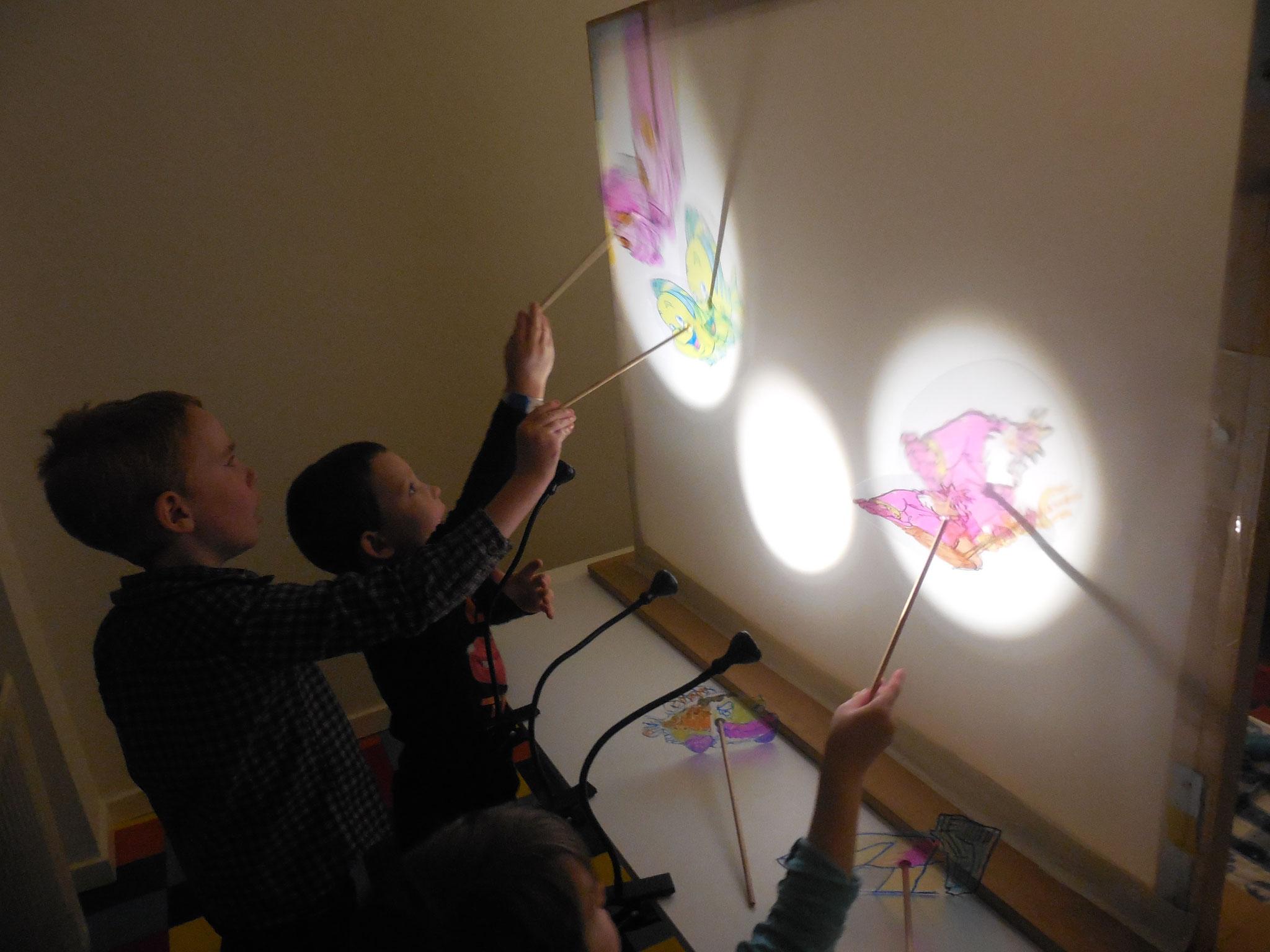 Animation ombres chinoises à l'école ''L'aquarium géant''