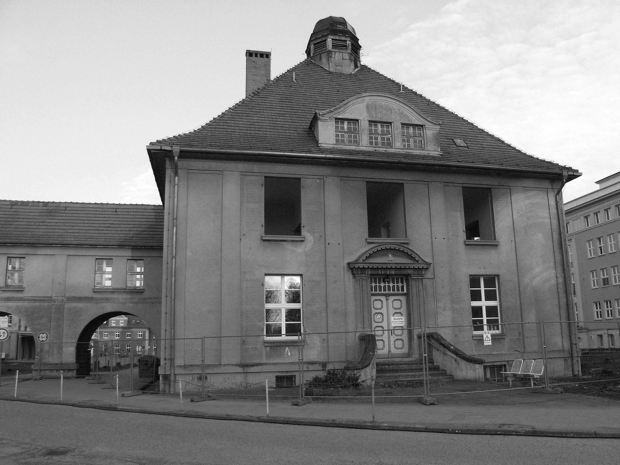 Altes Klinikgebäude in der Schillingallee - inzwischen abgerissen.