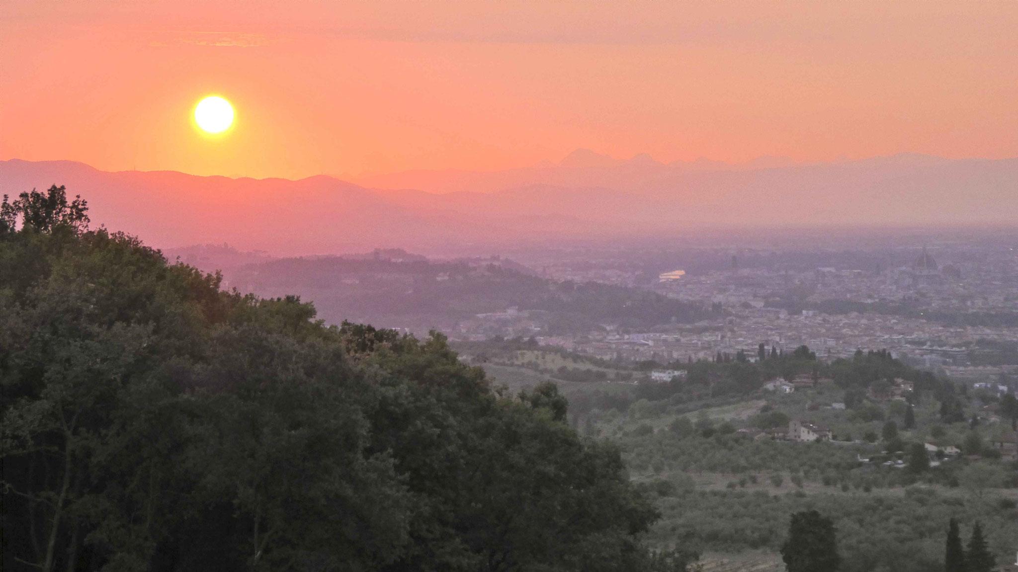 Sonnenuntergang hinter Florenz