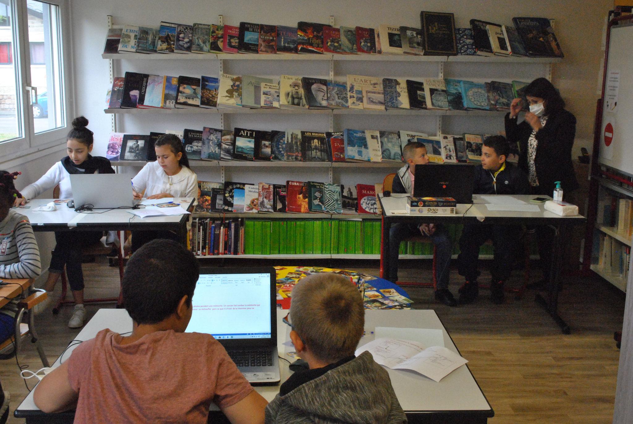 Les jeunes écrivains
