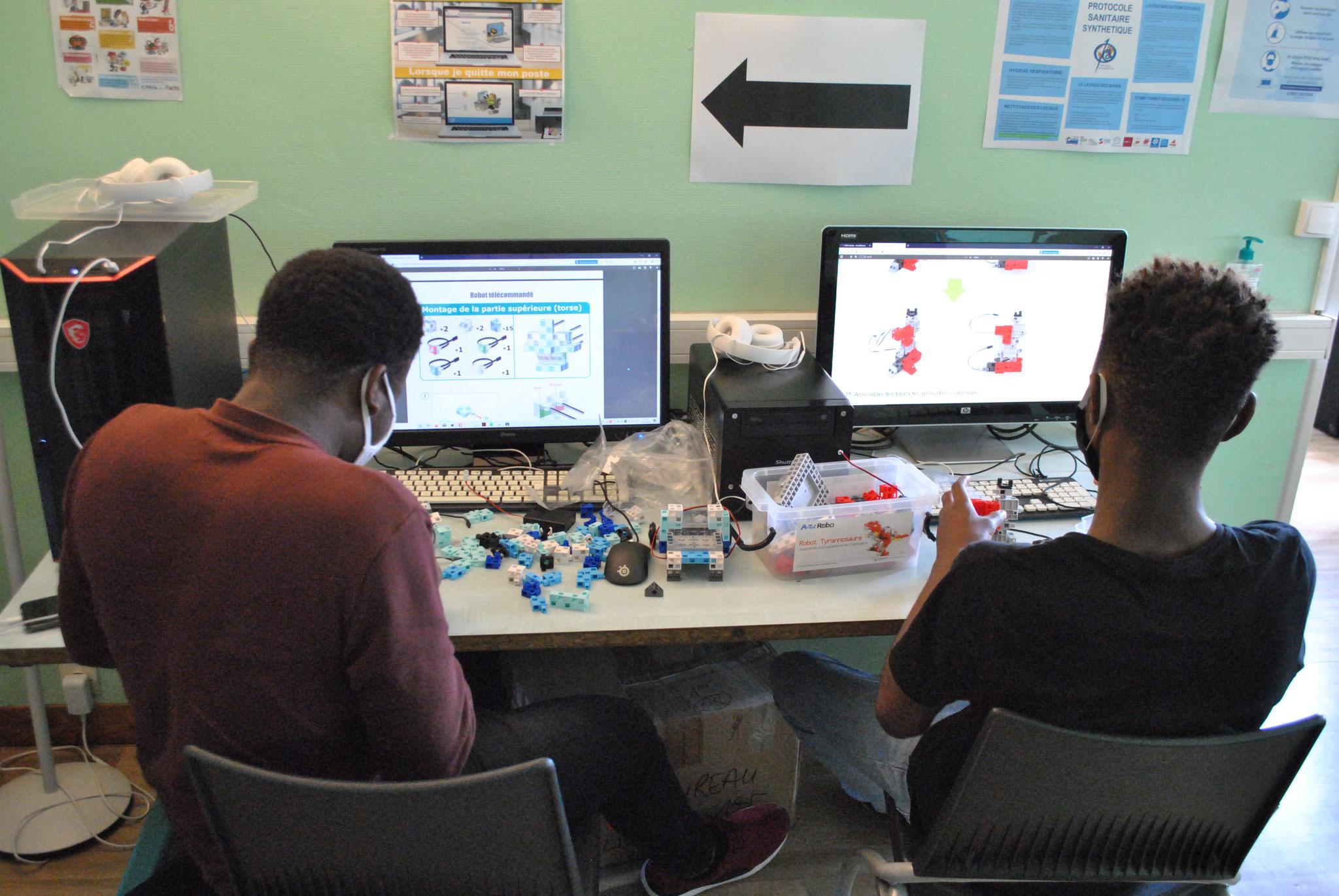 Construction des robots avec le site ECOLE ROBOT.