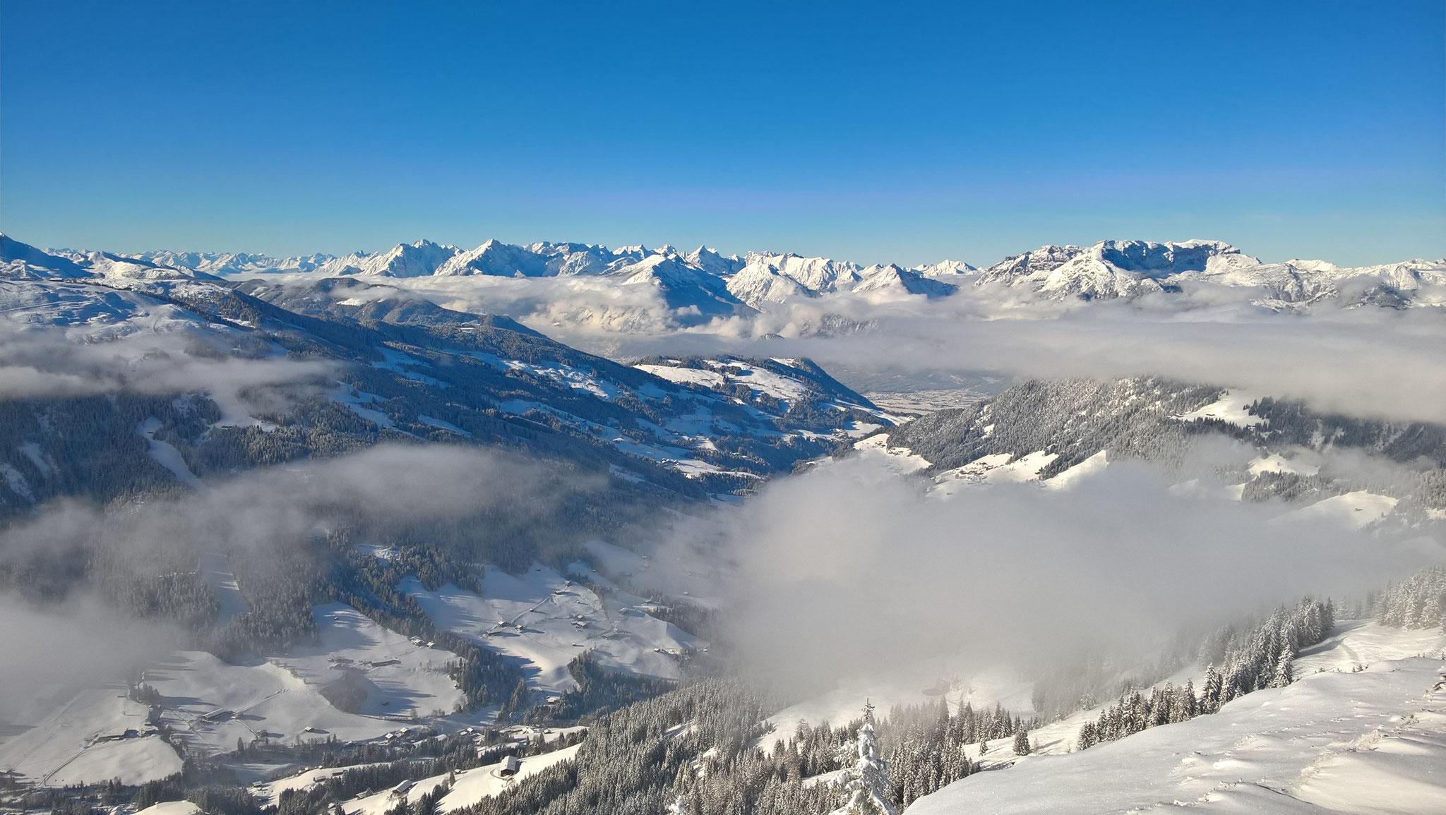 Blick über das Alpbachtal auf das Rofangebirge
