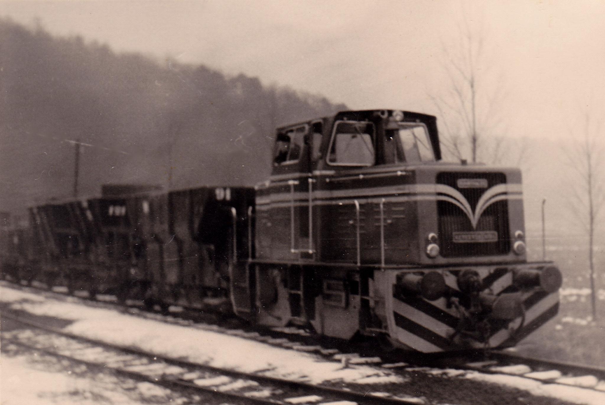 Lok 19 mit Zug in Schupbach 1959                                                  Foto Würges