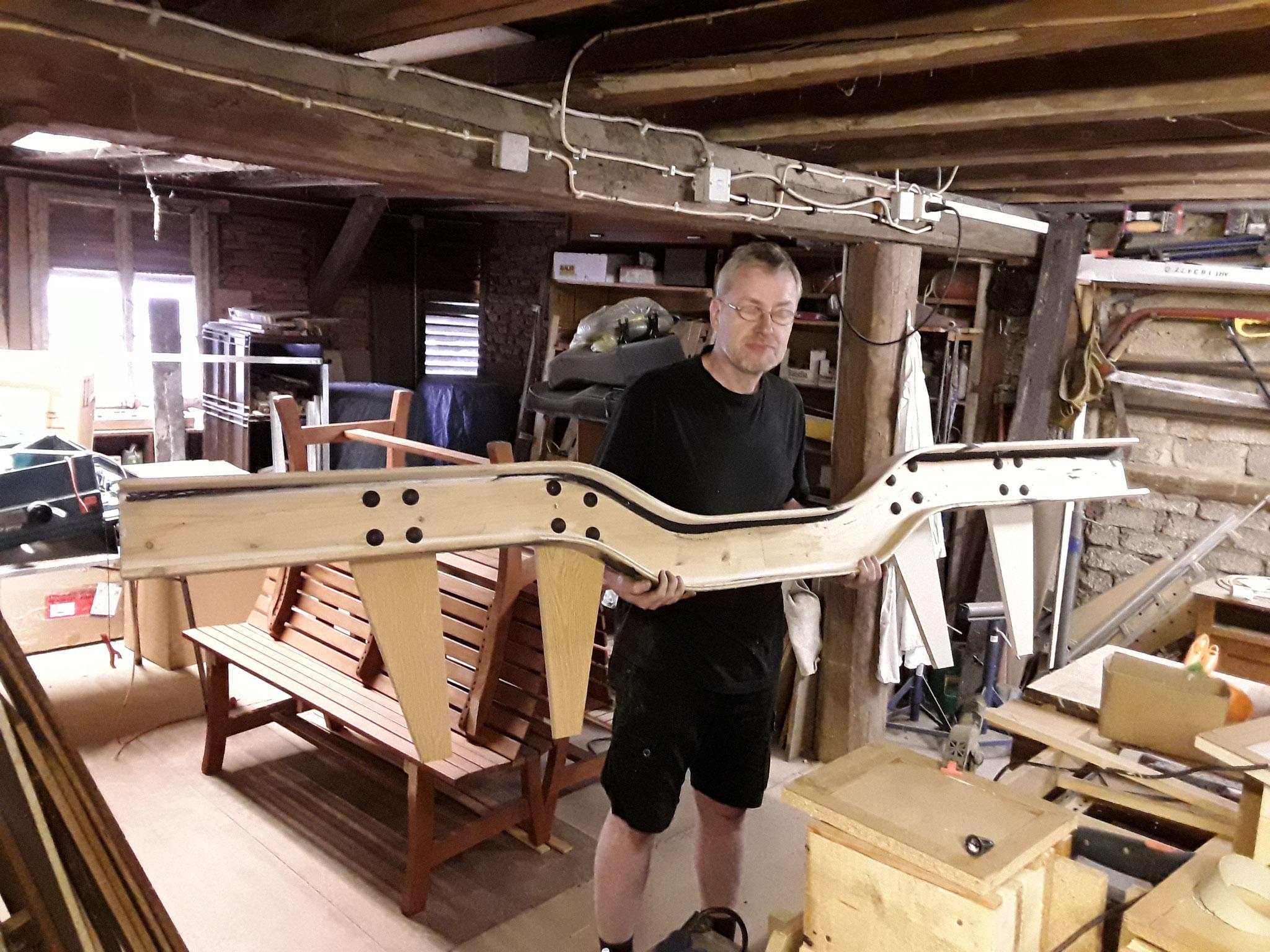 Helmut mit dem Drehgestell- Seitenträger
